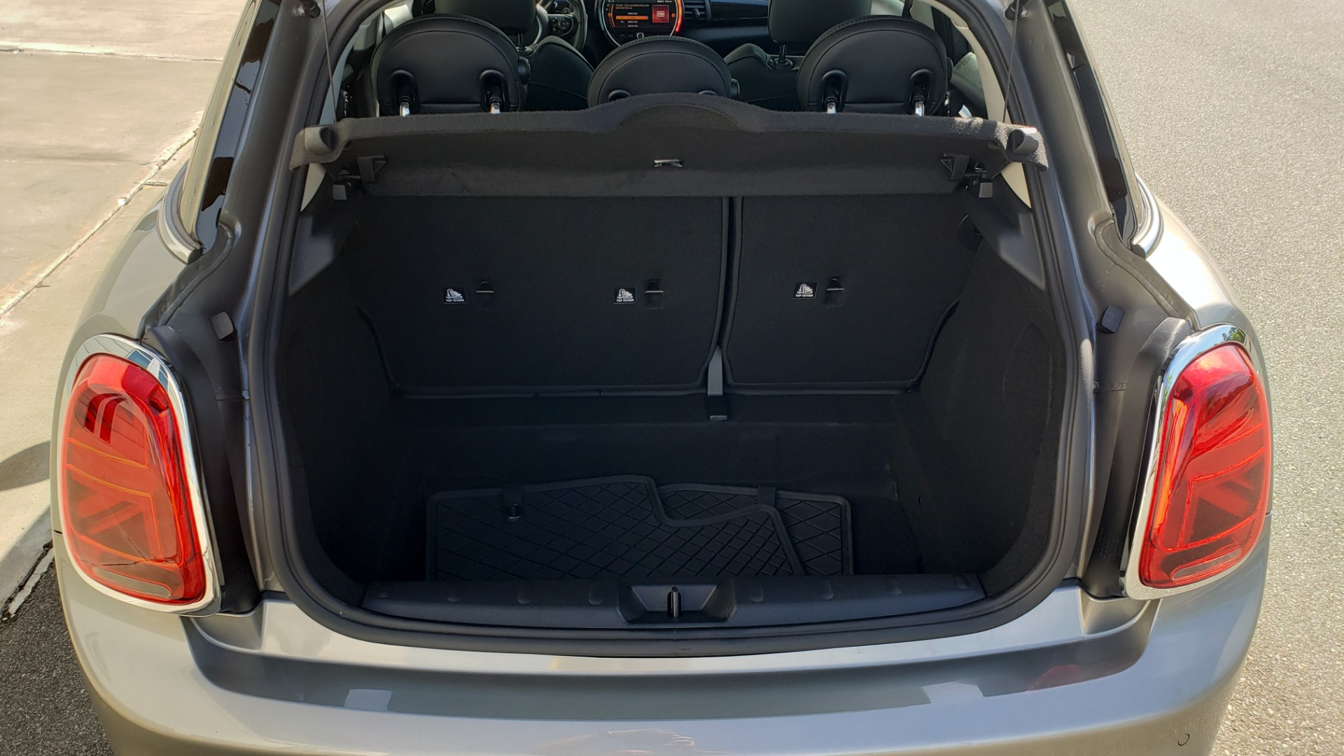 Used 2020 MINI HARDTOP 4 DOOR COOPER S / NAV / SUNROOF / AUTO / H/K SND / REARVIEW for sale $28,495 at Formula Imports in Charlotte NC 28227 19