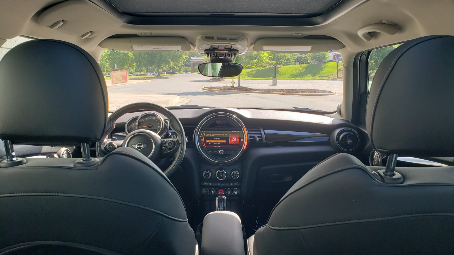 Used 2020 MINI HARDTOP 4 DOOR COOPER S / NAV / SUNROOF / AUTO / H/K SND / REARVIEW for sale $28,495 at Formula Imports in Charlotte NC 28227 23