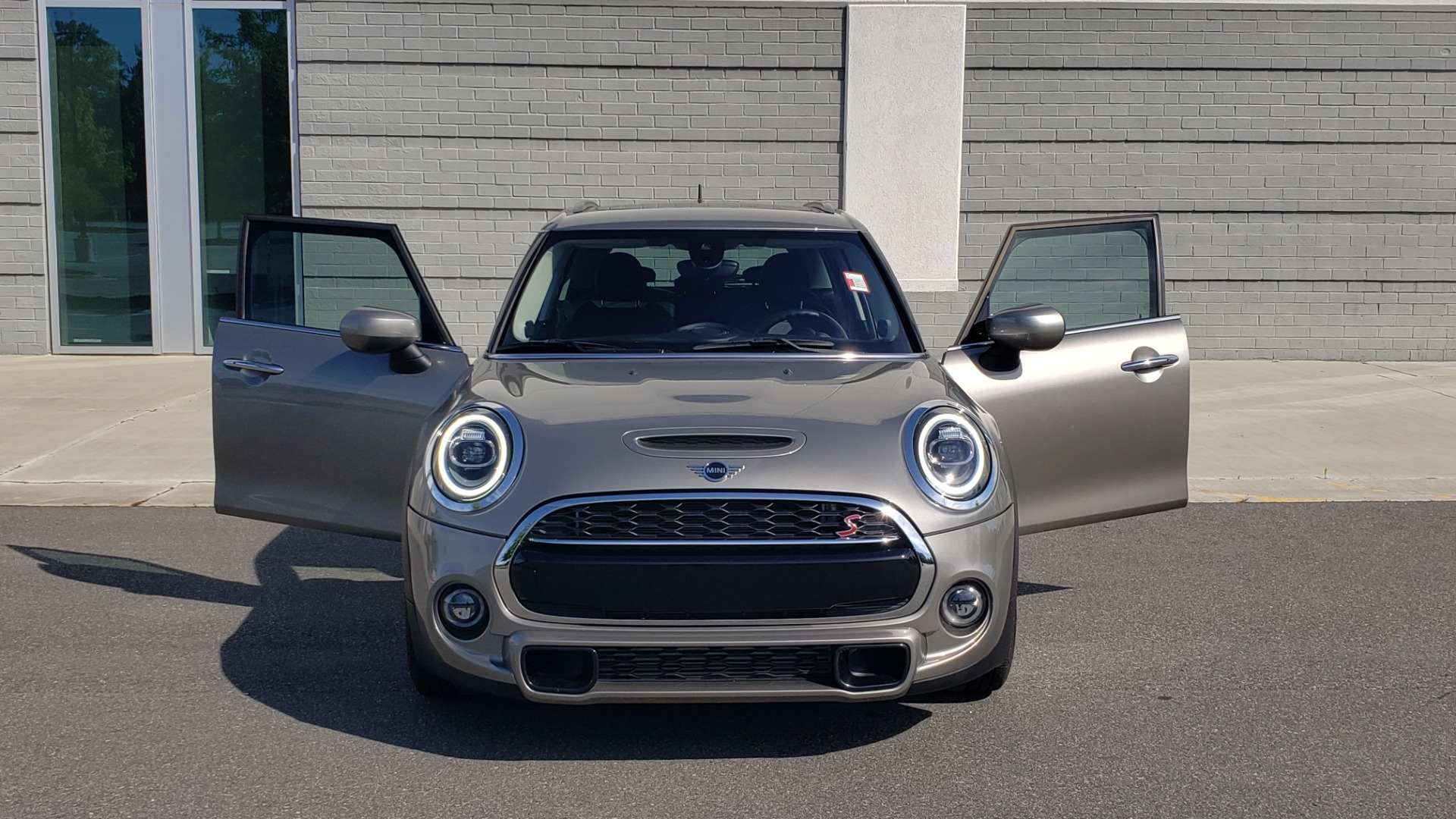 Used 2020 MINI HARDTOP 4 DOOR COOPER S / NAV / SUNROOF / AUTO / H/K SND / REARVIEW for sale $28,495 at Formula Imports in Charlotte NC 28227 25