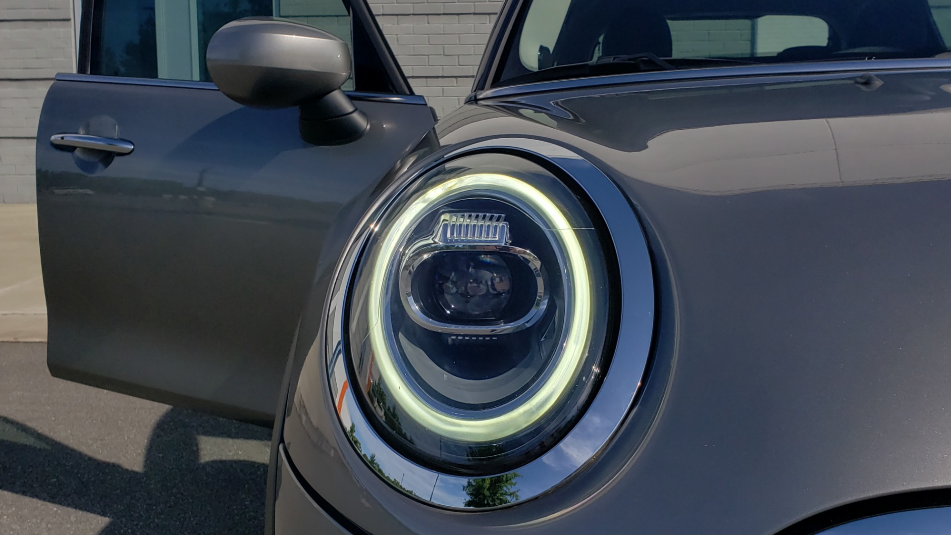 Used 2020 MINI HARDTOP 4 DOOR COOPER S / NAV / SUNROOF / AUTO / H/K SND / REARVIEW for sale $28,495 at Formula Imports in Charlotte NC 28227 26