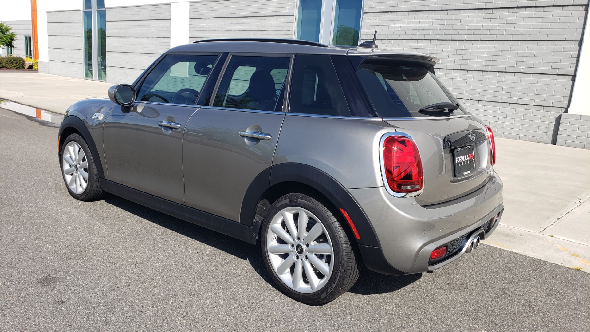 Used 2020 MINI HARDTOP 4 DOOR COOPER S / NAV / SUNROOF / AUTO / H/K SND / REARVIEW for sale $28,495 at Formula Imports in Charlotte NC 28227 5