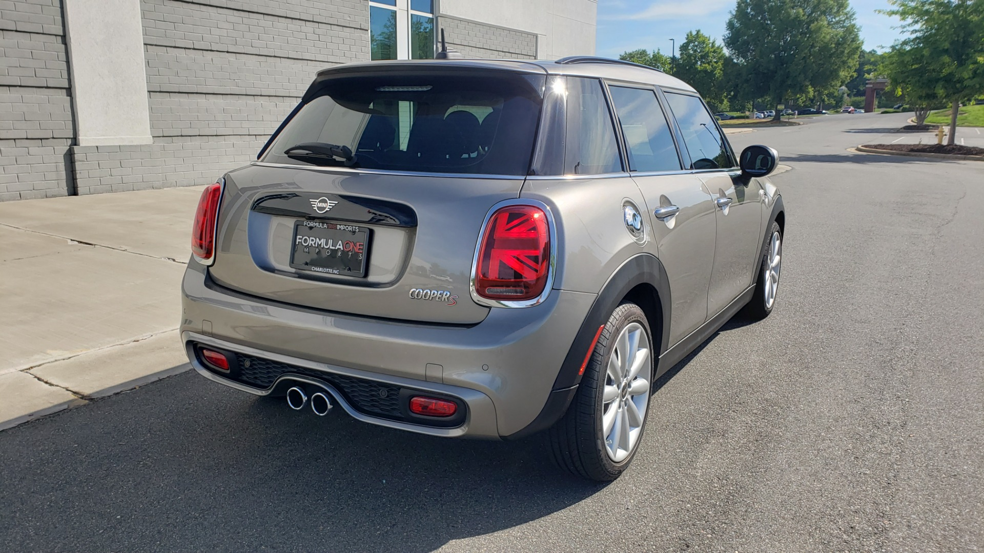 Used 2020 MINI HARDTOP 4 DOOR COOPER S / NAV / SUNROOF / AUTO / H/K SND / REARVIEW for sale $28,495 at Formula Imports in Charlotte NC 28227 6