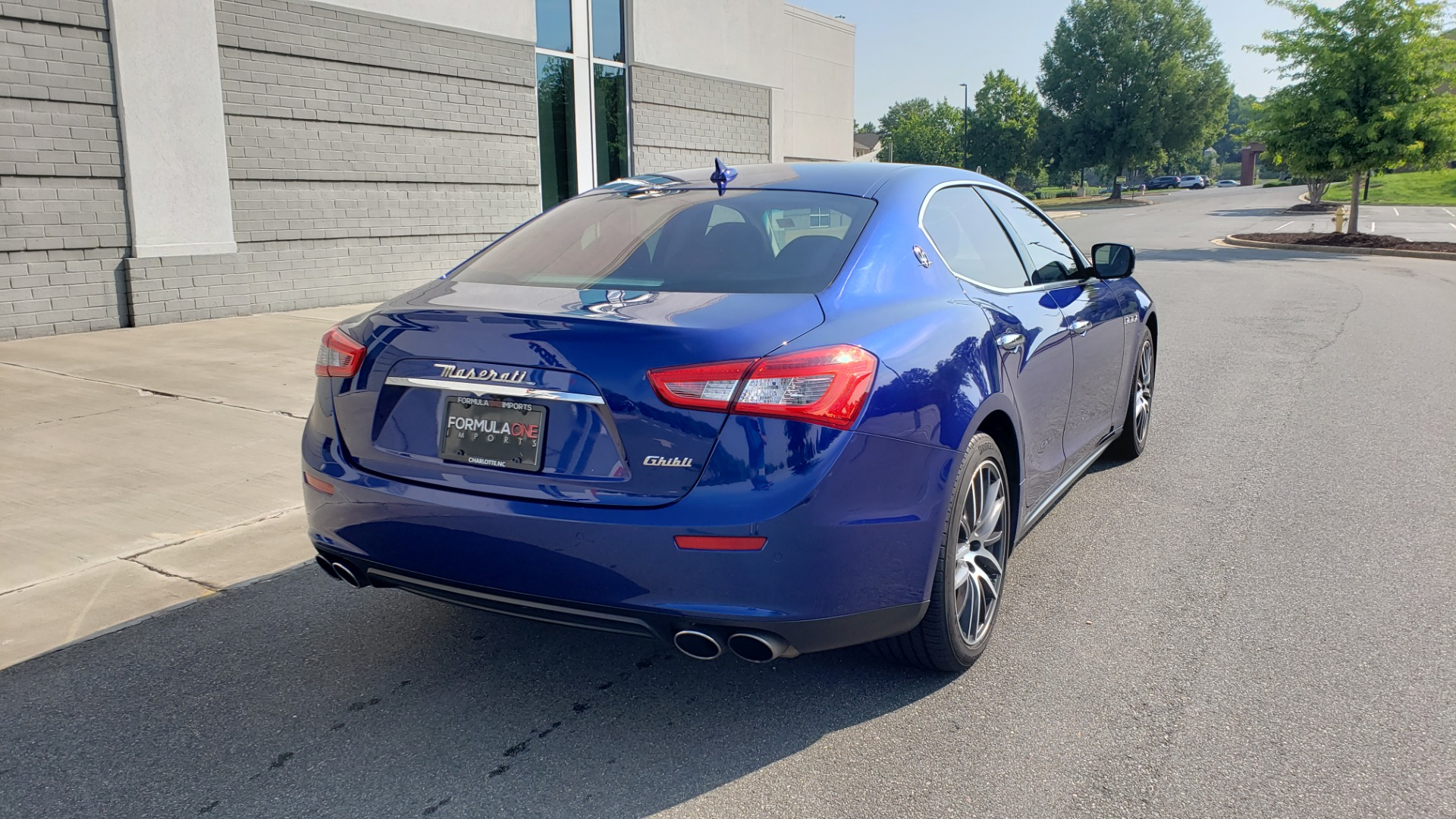 Used 2015 Maserati GHIBLI SEDAN / 3.0L V6 / 8-SPD AUTO / NAV / HTD STS / SUNROOF / REARVIEW for sale $24,495 at Formula Imports in Charlotte NC 28227 2