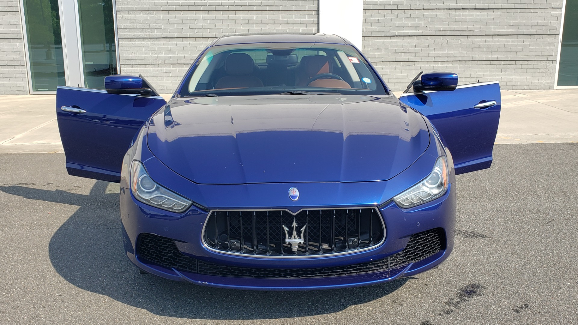 Used 2015 Maserati GHIBLI SEDAN / 3.0L V6 / 8-SPD AUTO / NAV / HTD STS / SUNROOF / REARVIEW for sale $24,495 at Formula Imports in Charlotte NC 28227 22