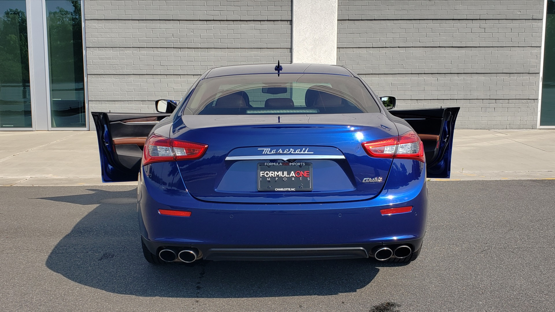 Used 2015 Maserati GHIBLI SEDAN / 3.0L V6 / 8-SPD AUTO / NAV / HTD STS / SUNROOF / REARVIEW for sale $24,495 at Formula Imports in Charlotte NC 28227 29