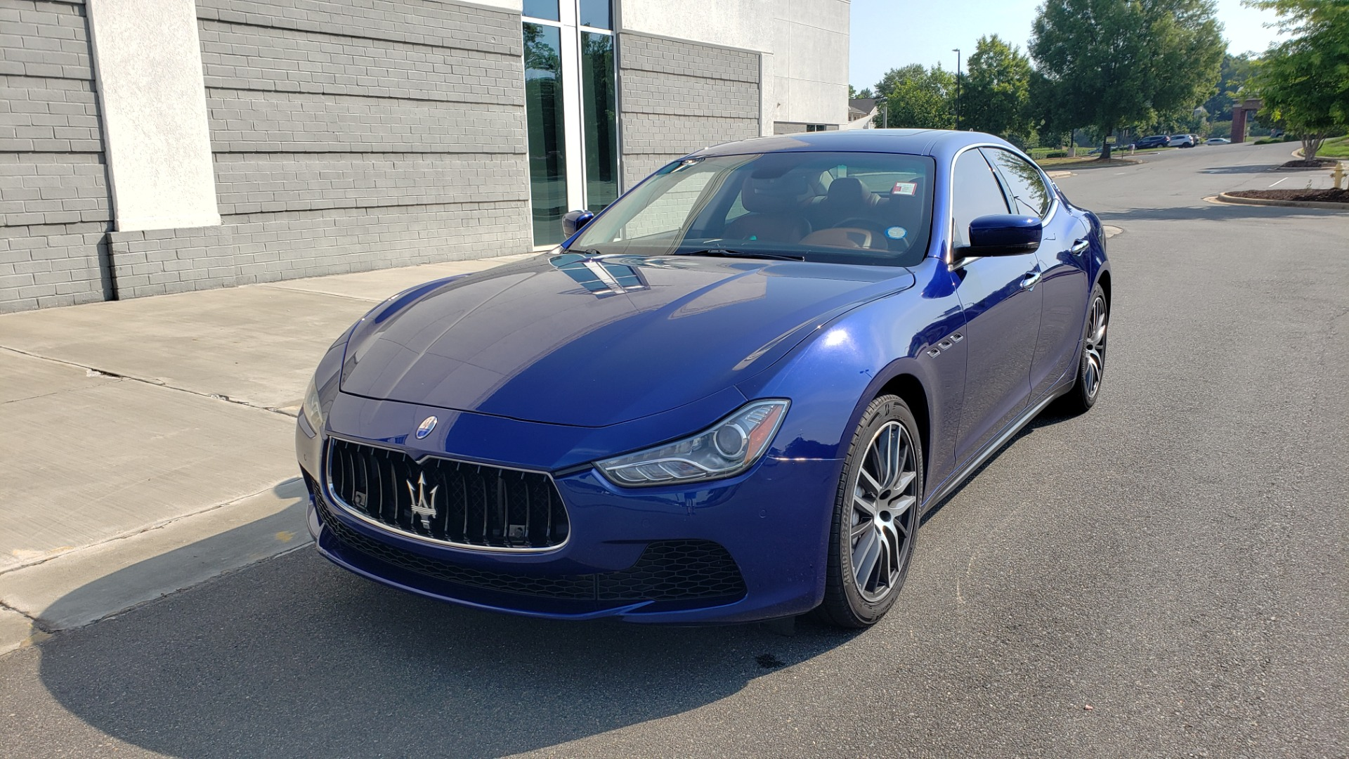 Used 2015 Maserati GHIBLI SEDAN / 3.0L V6 / 8-SPD AUTO / NAV / HTD STS / SUNROOF / REARVIEW for sale $24,495 at Formula Imports in Charlotte NC 28227 3