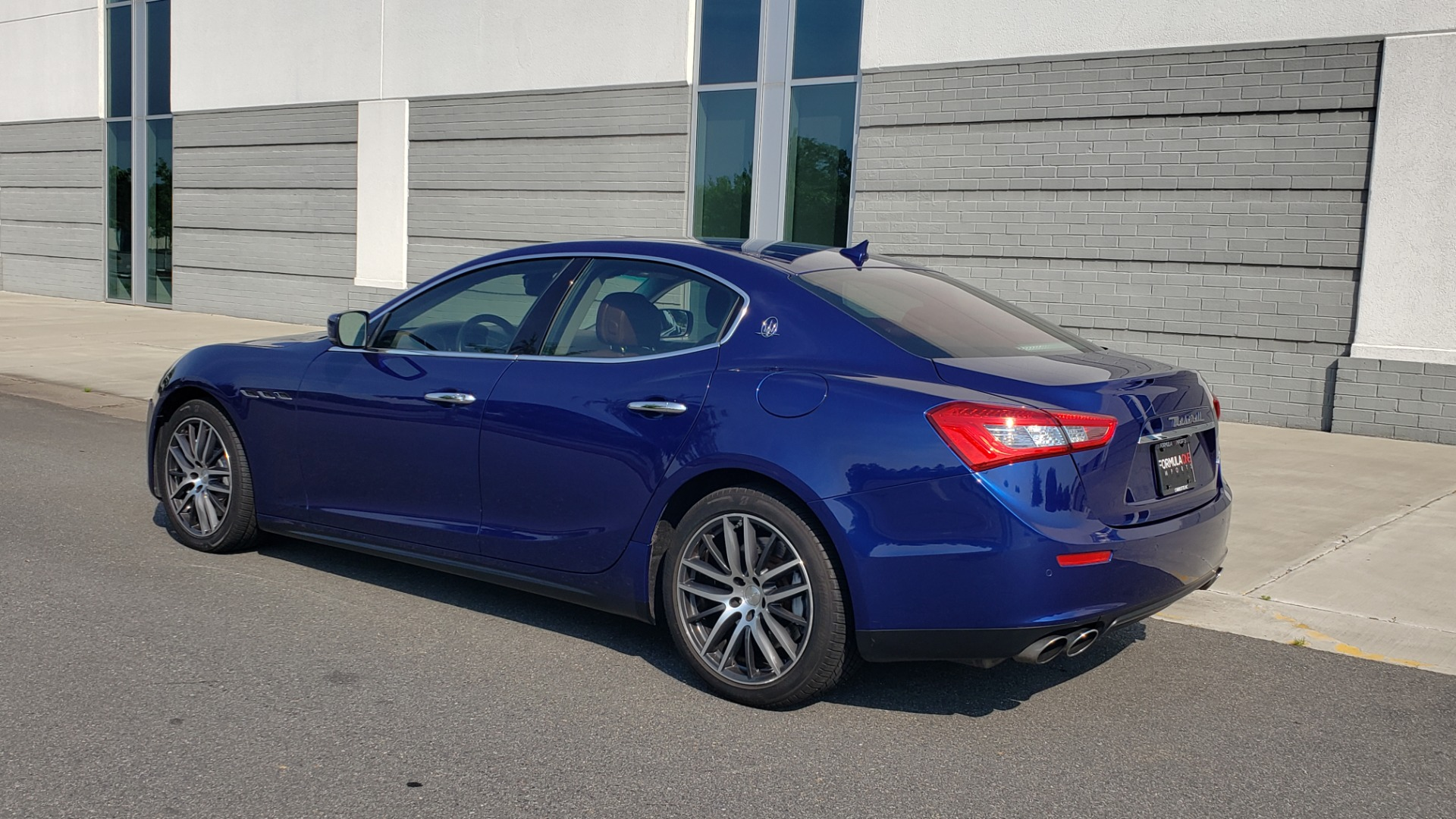 Used 2015 Maserati GHIBLI SEDAN / 3.0L V6 / 8-SPD AUTO / NAV / HTD STS / SUNROOF / REARVIEW for sale $24,495 at Formula Imports in Charlotte NC 28227 6