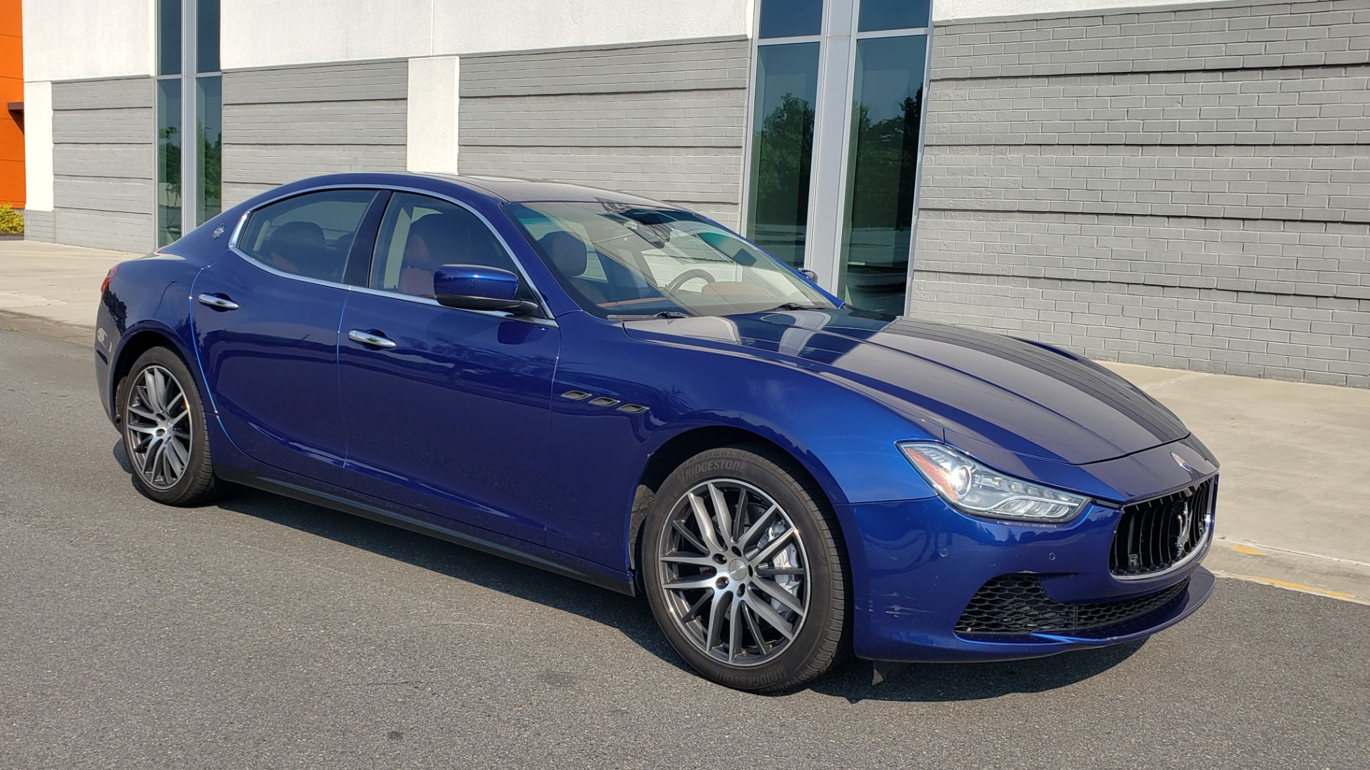 Used 2015 Maserati GHIBLI SEDAN / 3.0L V6 / 8-SPD AUTO / NAV / HTD STS / SUNROOF / REARVIEW for sale $24,495 at Formula Imports in Charlotte NC 28227 7