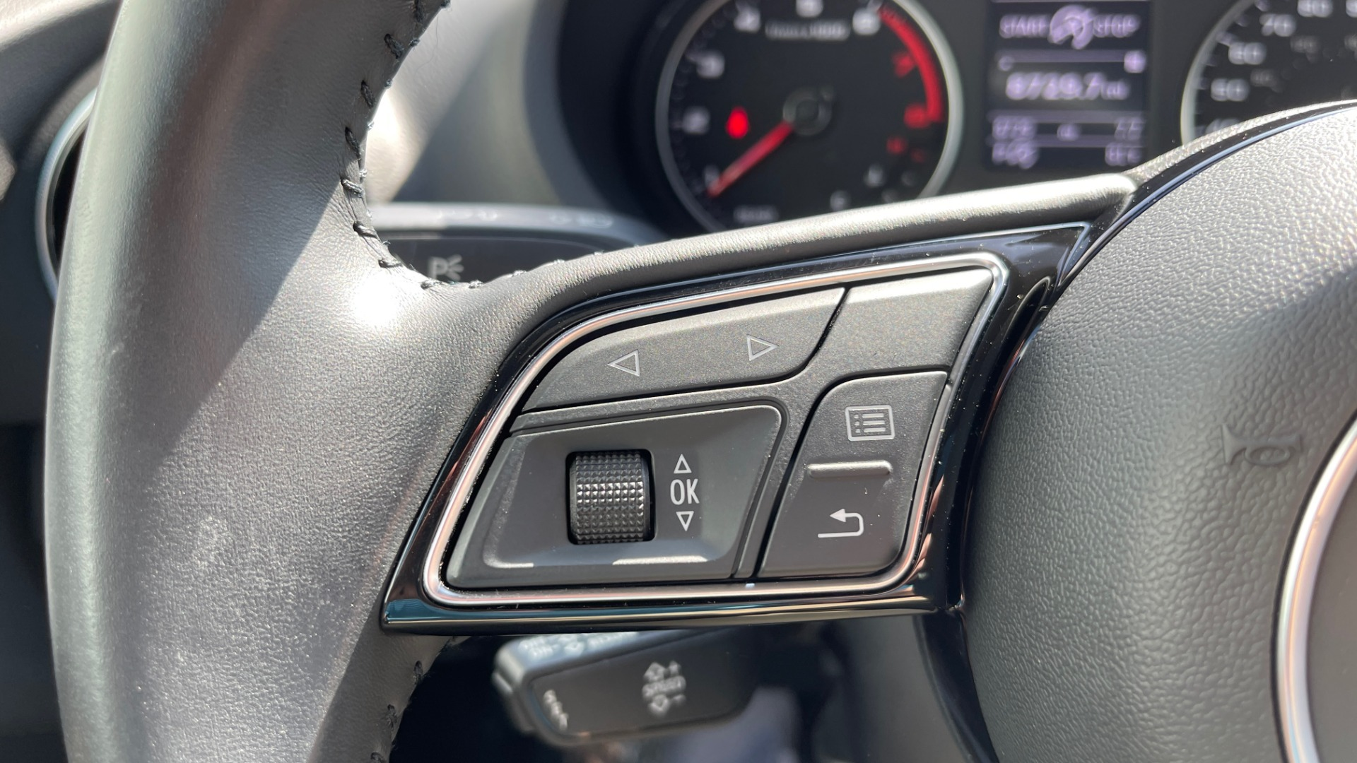 Used 2018 Audi A3 SEDAN PREMIUM PLUS / S-LINE / PANO-ROOF / PARK SYS / REARVIEW for sale $31,795 at Formula Imports in Charlotte NC 28227 32
