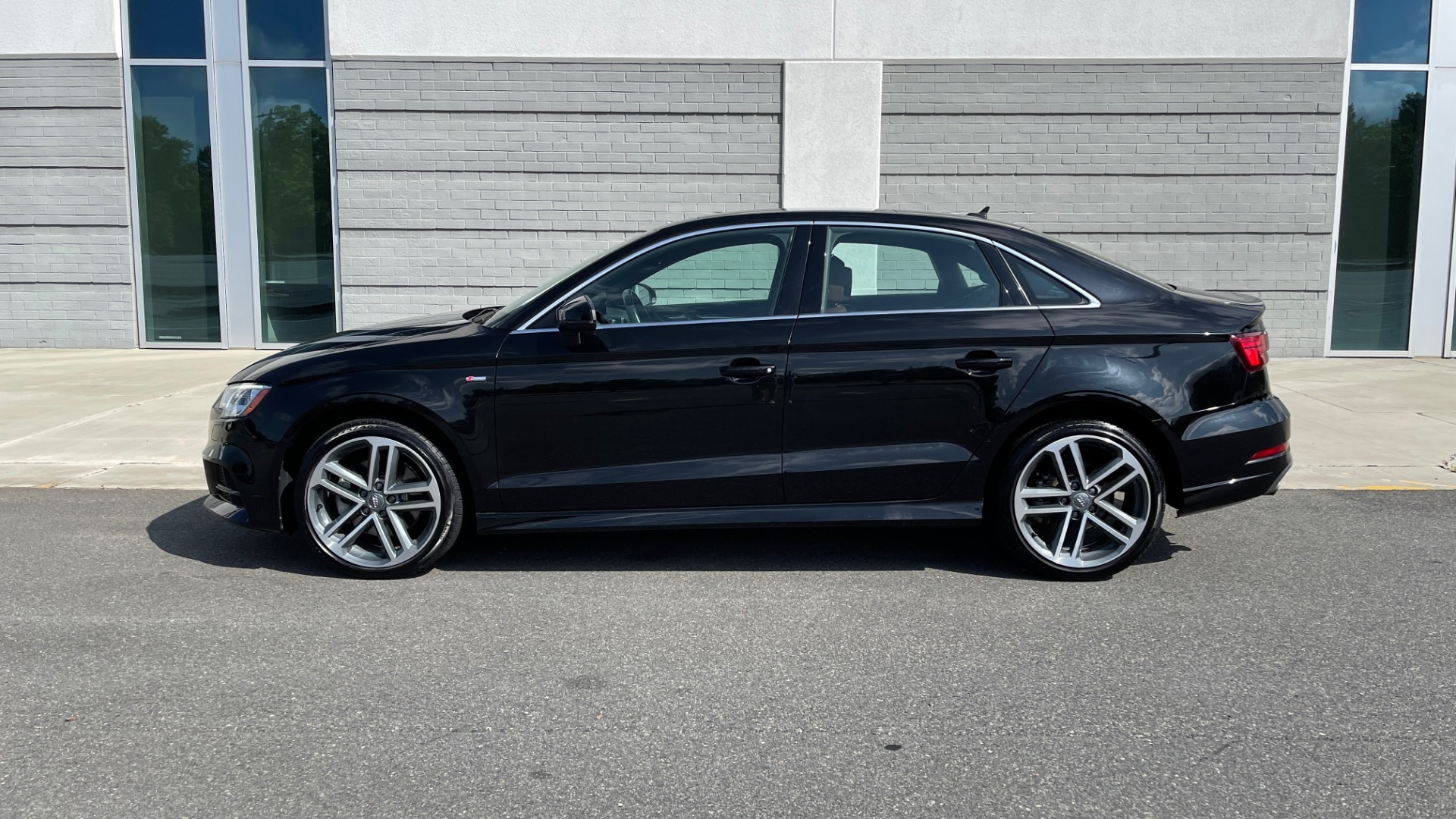 Used 2018 Audi A3 SEDAN PREMIUM PLUS / S-LINE / PANO-ROOF / PARK SYS / REARVIEW for sale $31,795 at Formula Imports in Charlotte NC 28227 4