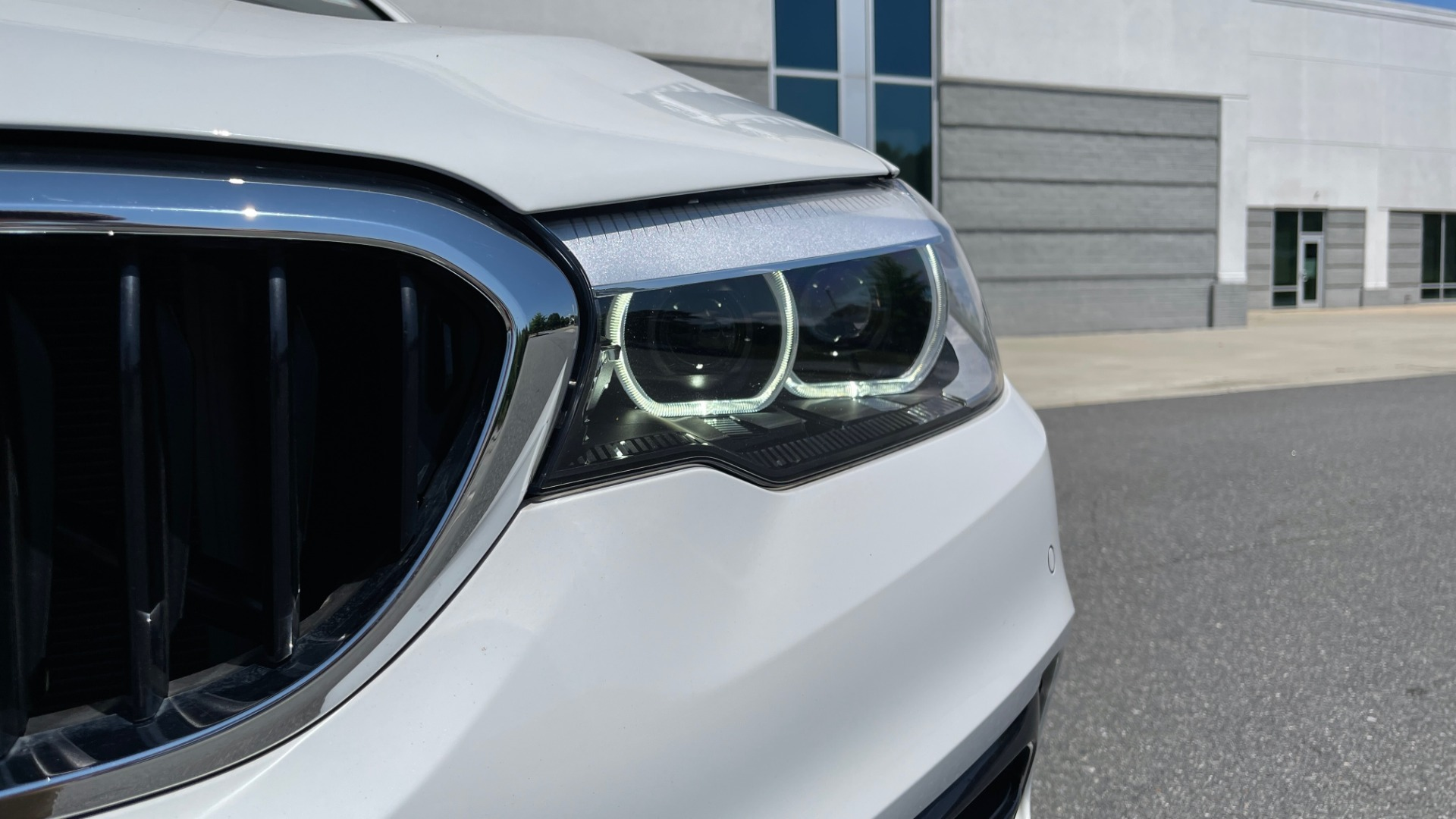 Used 2018 BMW 5 SERIES 540IXDRIVE PREMIUM / PARK ASSIST / KEYLESS ENTRY / SUNROOF / REARVIEW for sale $42,995 at Formula Imports in Charlotte NC 28227 12
