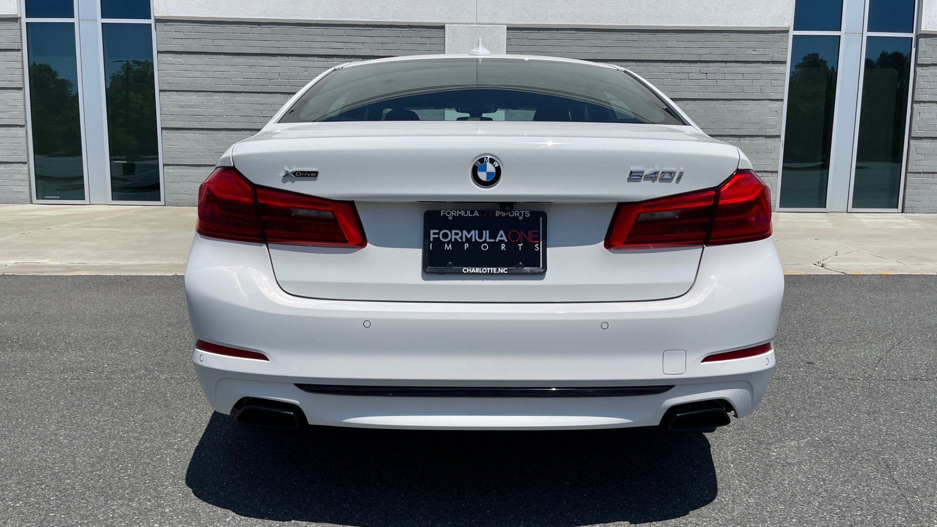 Used 2018 BMW 5 SERIES 540IXDRIVE PREMIUM / PARK ASSIST / KEYLESS ENTRY / SUNROOF / REARVIEW for sale $42,995 at Formula Imports in Charlotte NC 28227 21