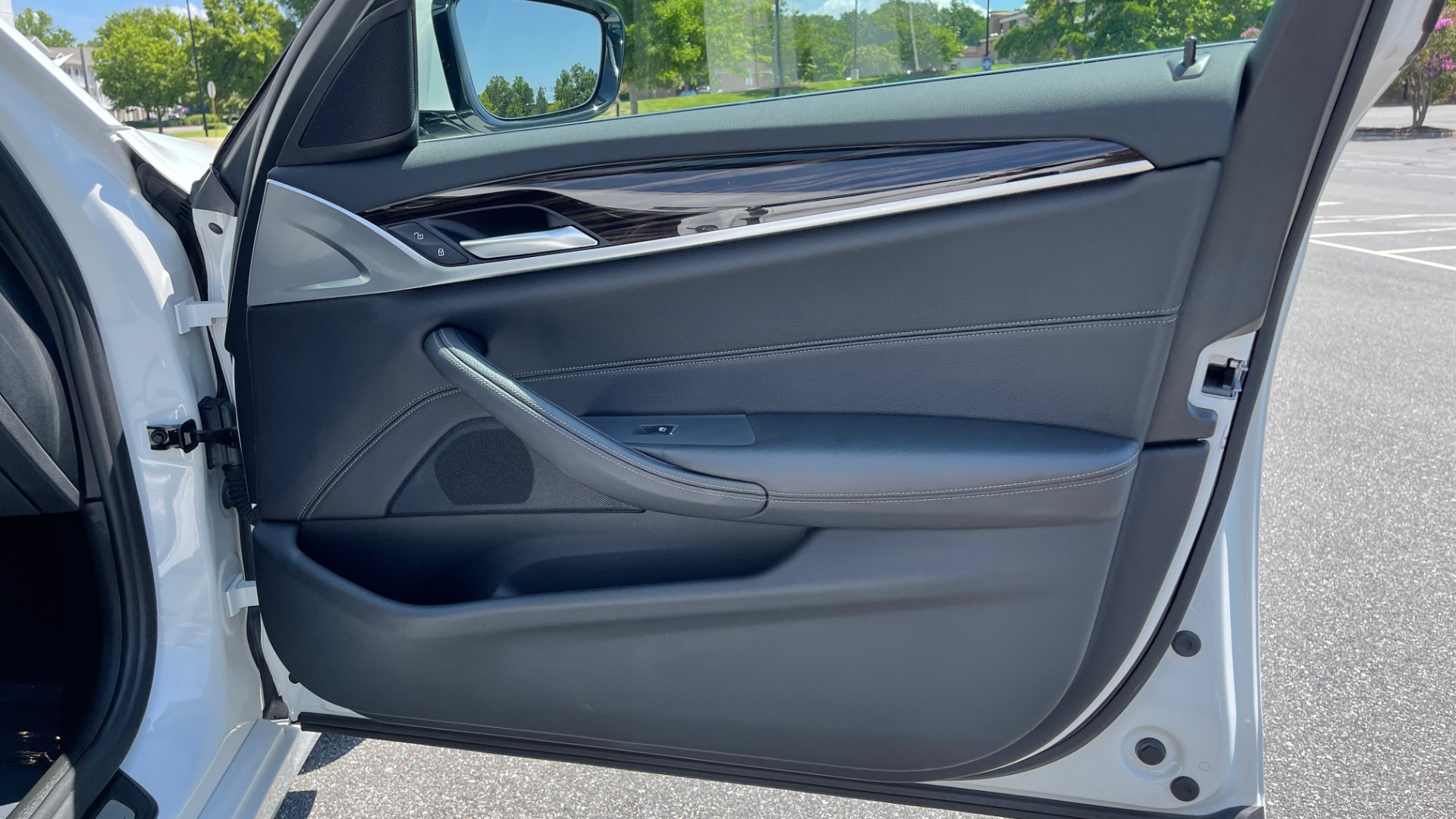 Used 2018 BMW 5 SERIES 540IXDRIVE PREMIUM / PARK ASSIST / KEYLESS ENTRY / SUNROOF / REARVIEW for sale $42,995 at Formula Imports in Charlotte NC 28227 64