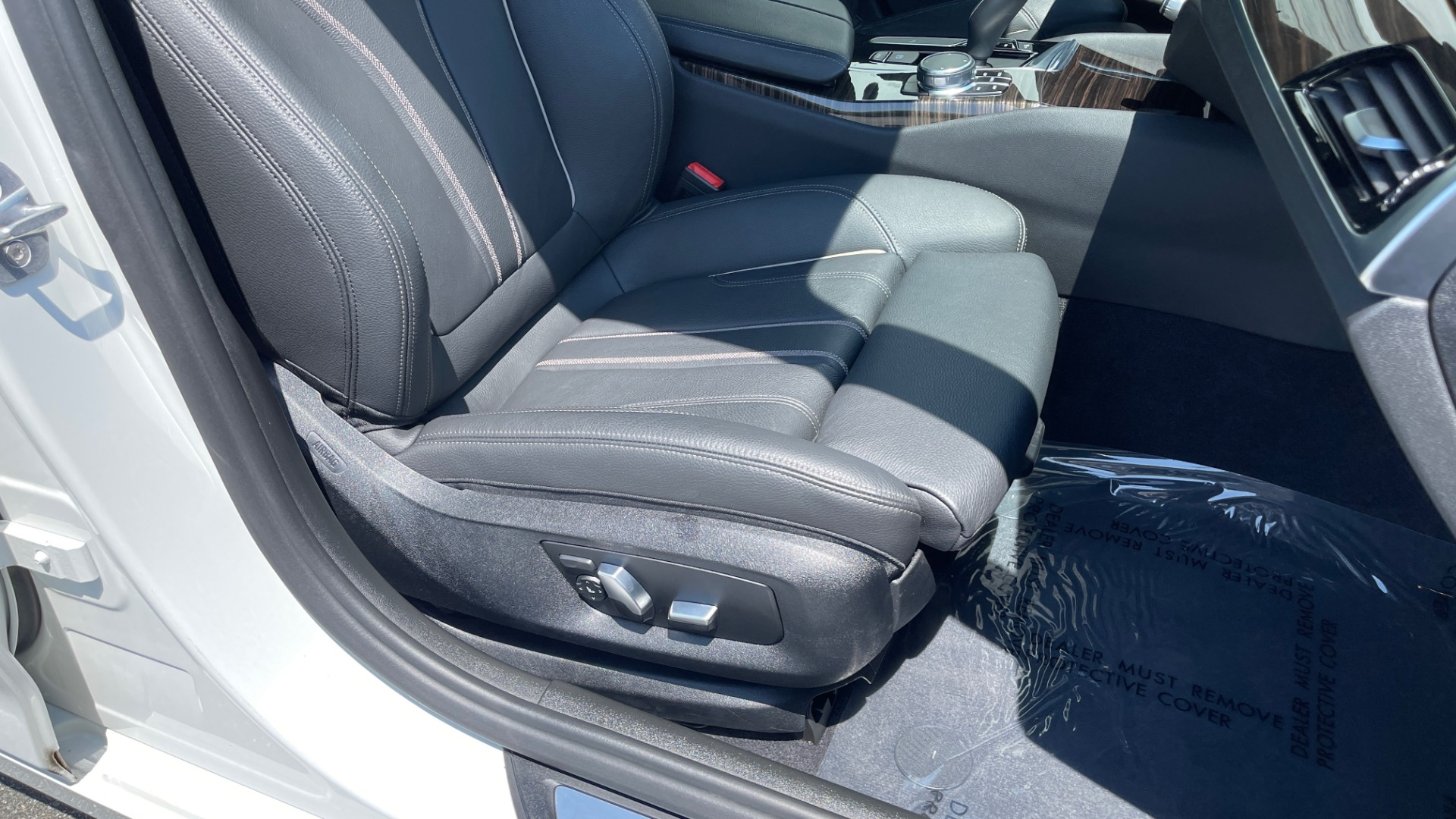 Used 2018 BMW 5 SERIES 540IXDRIVE PREMIUM / PARK ASSIST / KEYLESS ENTRY / SUNROOF / REARVIEW for sale $42,995 at Formula Imports in Charlotte NC 28227 66