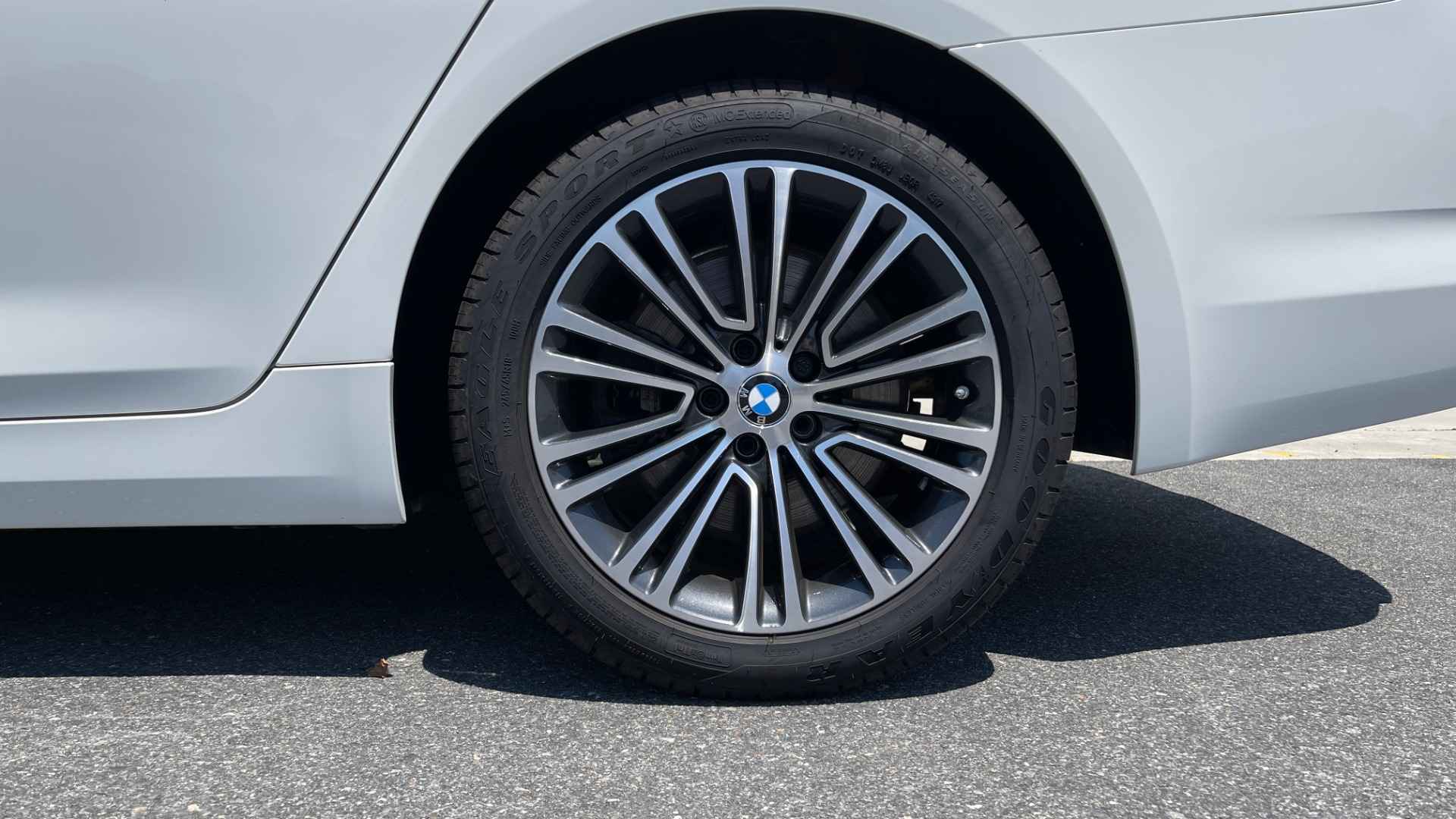 Used 2018 BMW 5 SERIES 540IXDRIVE PREMIUM / PARK ASSIST / KEYLESS ENTRY / SUNROOF / REARVIEW for sale $42,995 at Formula Imports in Charlotte NC 28227 73