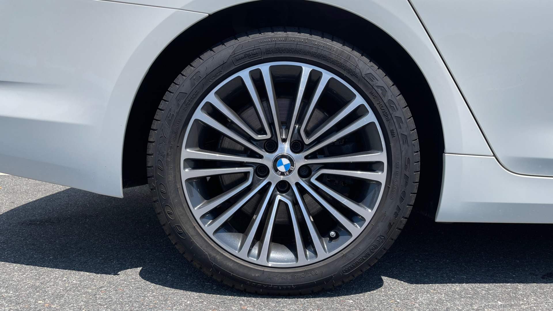 Used 2018 BMW 5 SERIES 540IXDRIVE PREMIUM / PARK ASSIST / KEYLESS ENTRY / SUNROOF / REARVIEW for sale $42,995 at Formula Imports in Charlotte NC 28227 74
