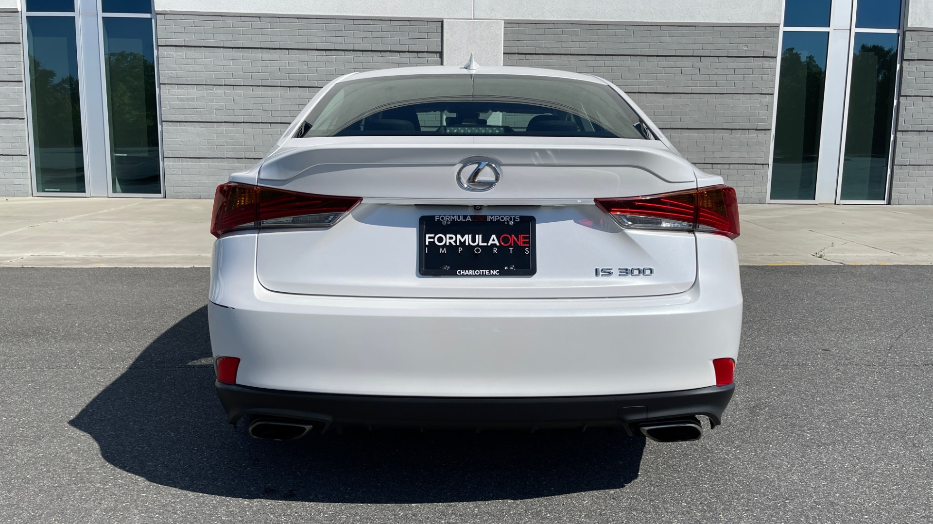Used 2018 Lexus IS 300 / 2.0L TURBO / 8-SPD AUTO / SUNROOF / REARVIEW for sale $29,495 at Formula Imports in Charlotte NC 28227 20