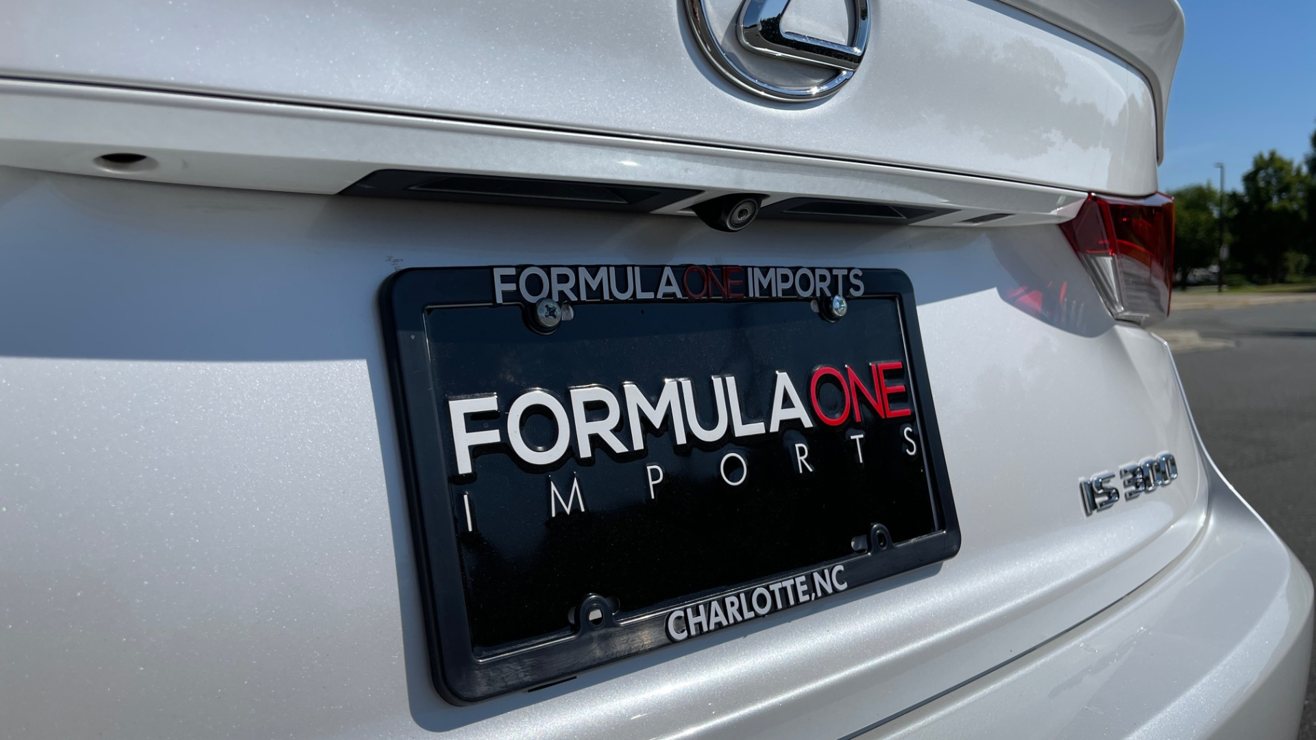 Used 2018 Lexus IS 300 / 2.0L TURBO / 8-SPD AUTO / SUNROOF / REARVIEW for sale $29,495 at Formula Imports in Charlotte NC 28227 23