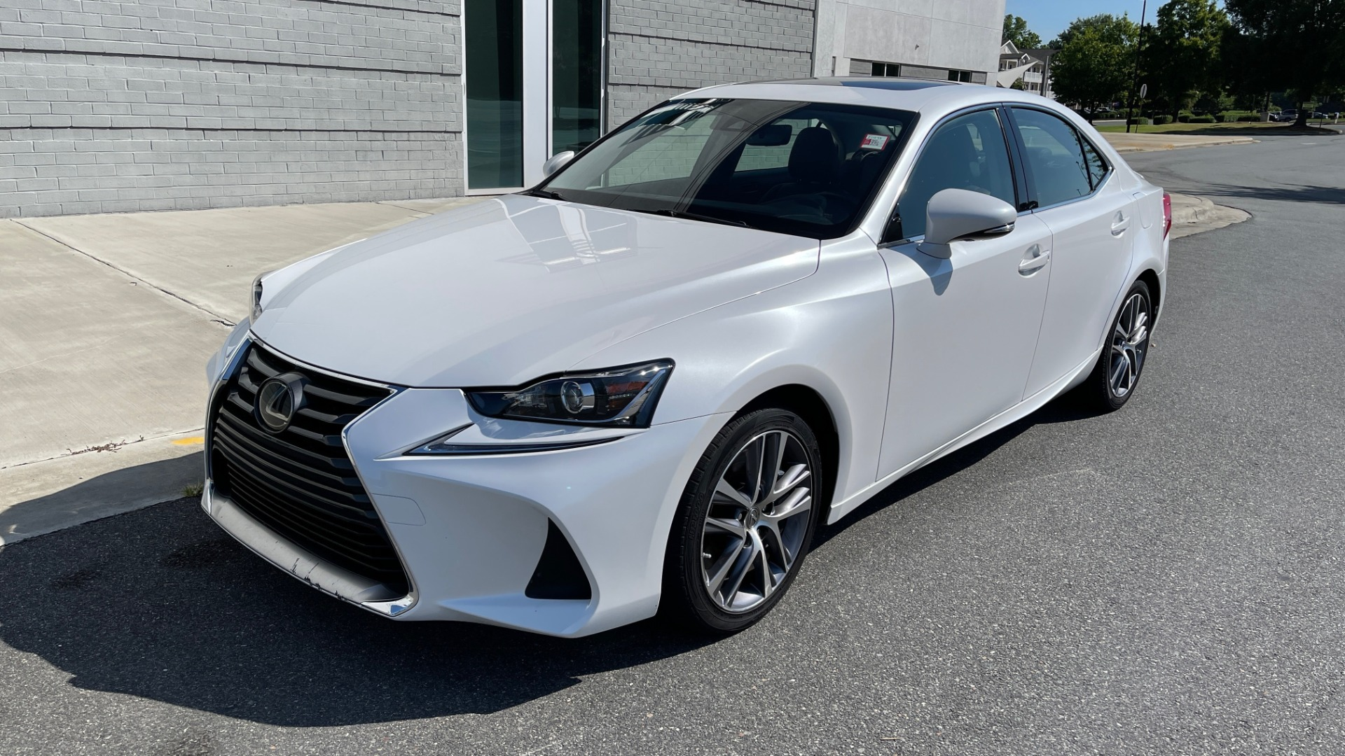 Used 2018 Lexus IS 300 / 2.0L TURBO / 8-SPD AUTO / SUNROOF / REARVIEW for sale $29,495 at Formula Imports in Charlotte NC 28227 3