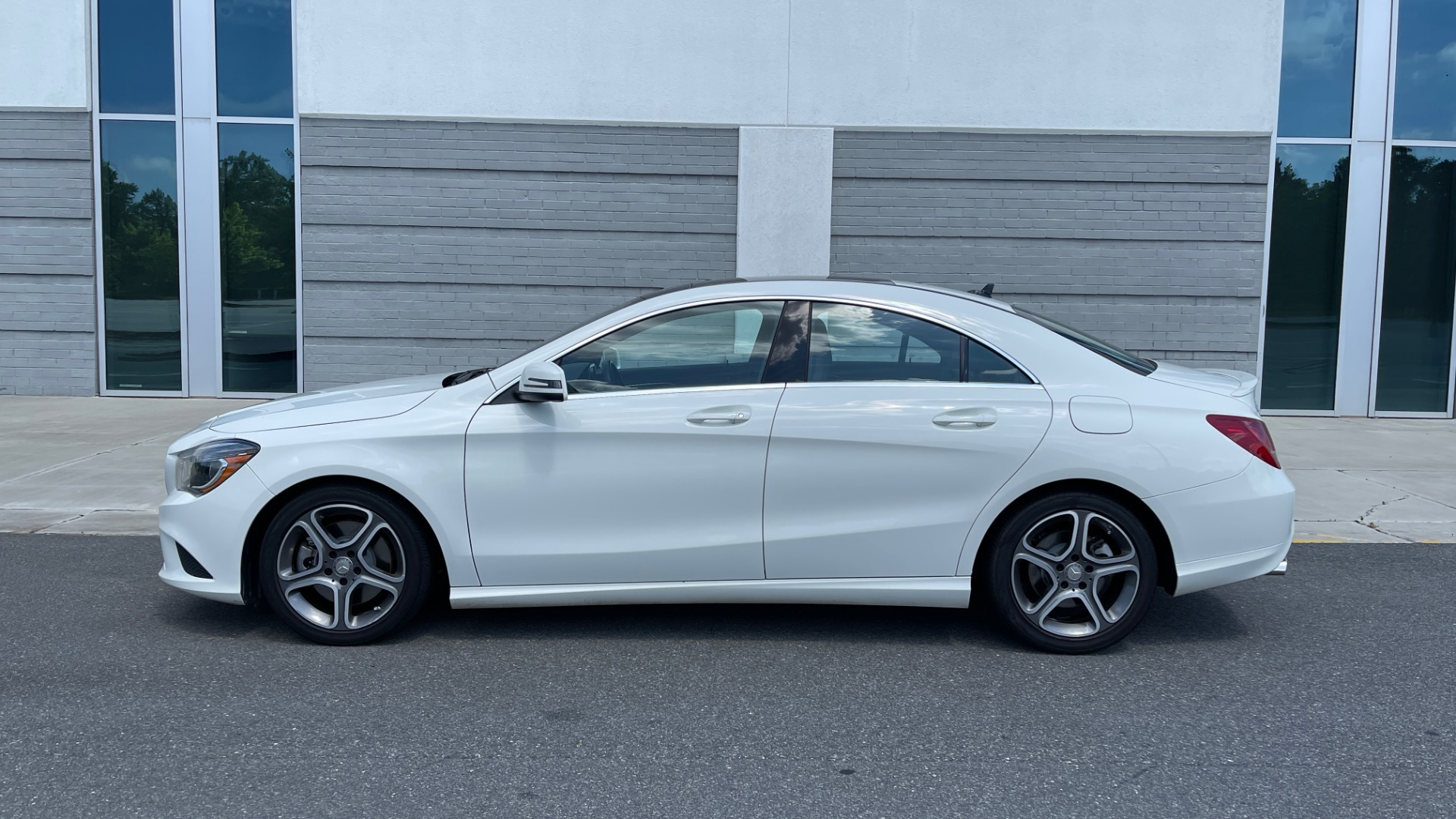 Used 2014 Mercedes-Benz CLA-Class 250 PREMIUM / NAV / MULTIMEDIA PKG / PANO-ROOF / REARVIEW for sale $19,495 at Formula Imports in Charlotte NC 28227 4