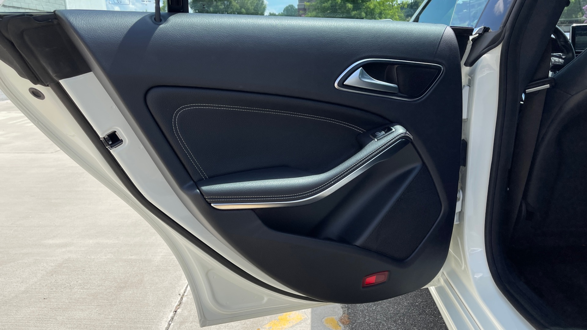 Used 2014 Mercedes-Benz CLA-Class 250 PREMIUM / NAV / MULTIMEDIA PKG / PANO-ROOF / REARVIEW for sale $19,495 at Formula Imports in Charlotte NC 28227 43