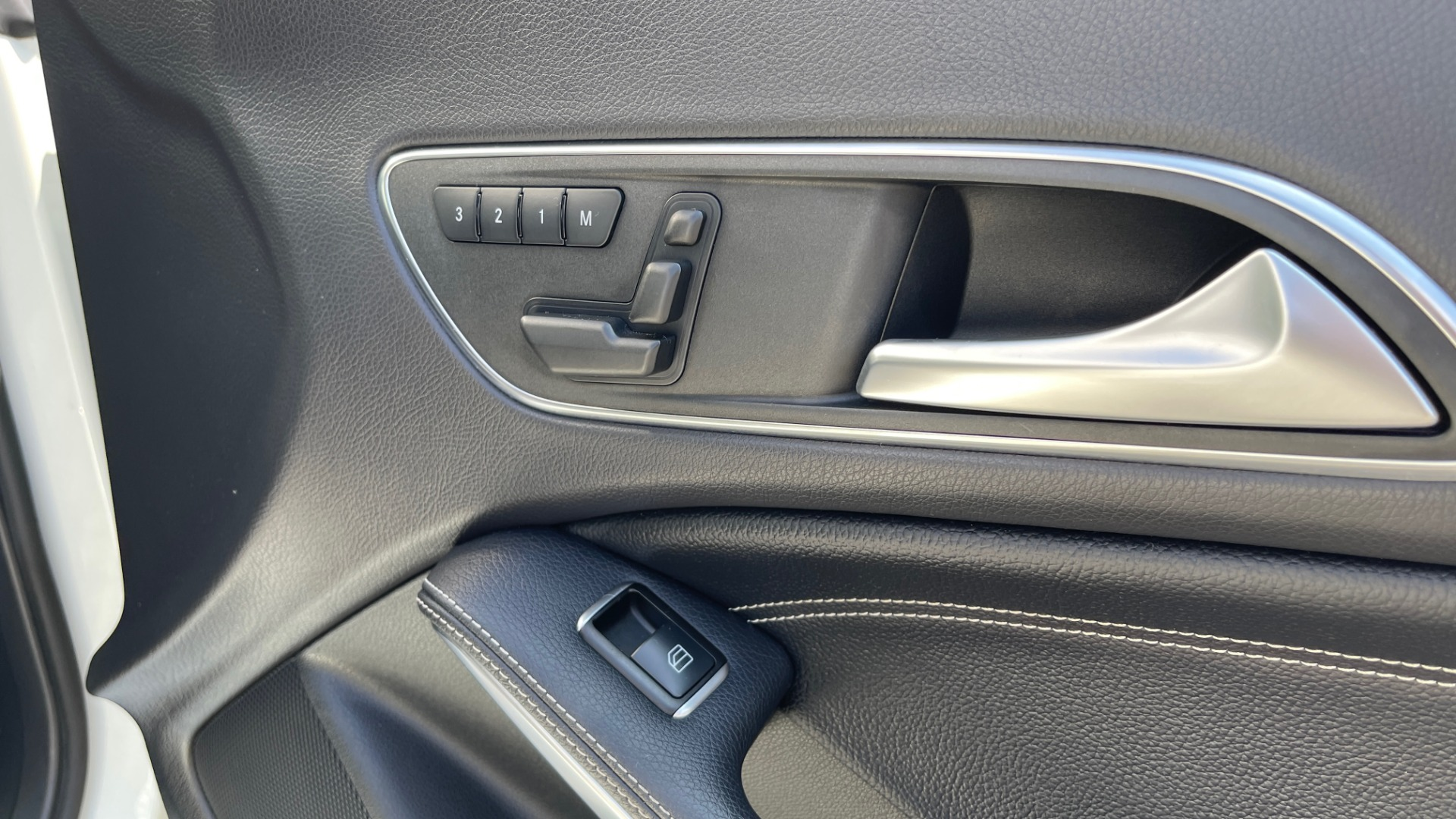 Used 2014 Mercedes-Benz CLA-Class 250 PREMIUM / NAV / MULTIMEDIA PKG / PANO-ROOF / REARVIEW for sale $19,495 at Formula Imports in Charlotte NC 28227 56