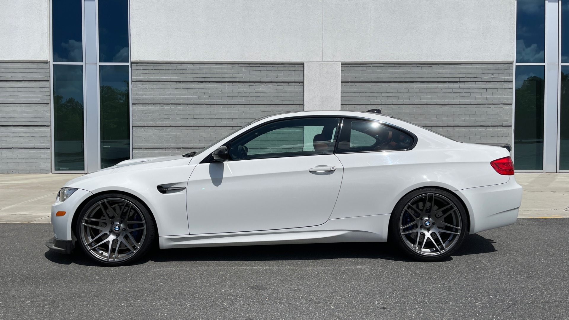 Used 2011 BMW M3 PREMIUM COUPE / CLD WTHR / TECH / SMARTPHONEINT / PARK ASST for sale Sold at Formula Imports in Charlotte NC 28227 4