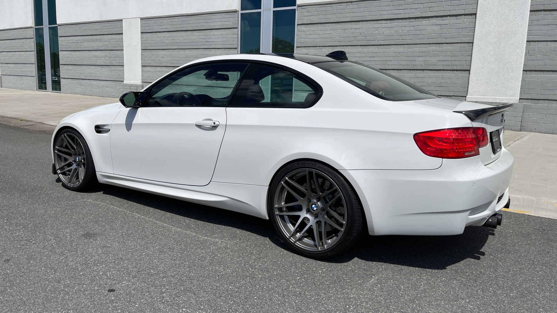 Used 2011 BMW M3 PREMIUM COUPE / CLD WTHR / TECH / SMARTPHONEINT / PARK ASST for sale Sold at Formula Imports in Charlotte NC 28227 5