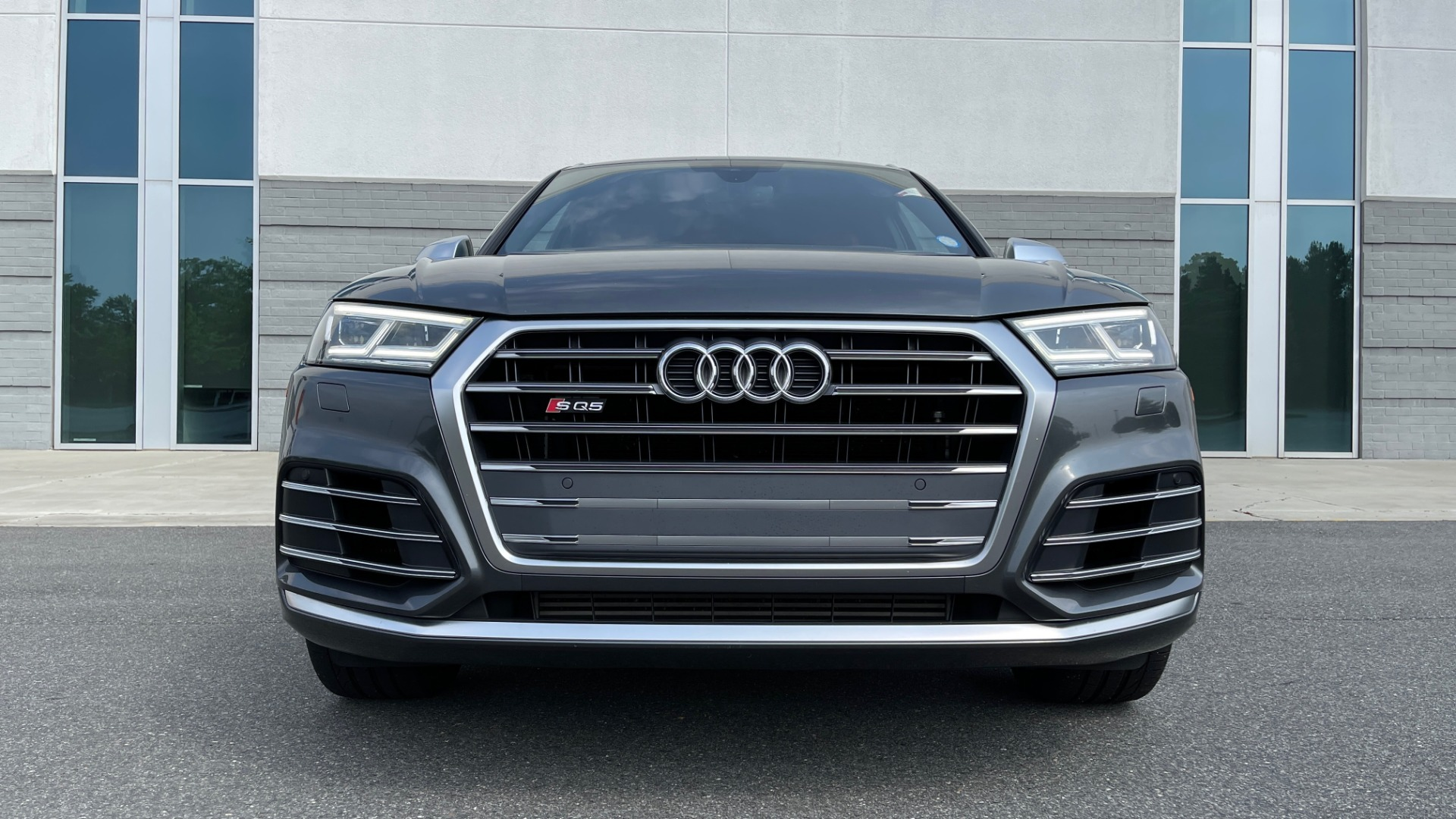 Used 2018 Audi SQ5 PREMIUM PLUS / S-SPORT / NAV / B&O SND / SUNROOF / REARVIEW for sale $43,995 at Formula Imports in Charlotte NC 28227 11