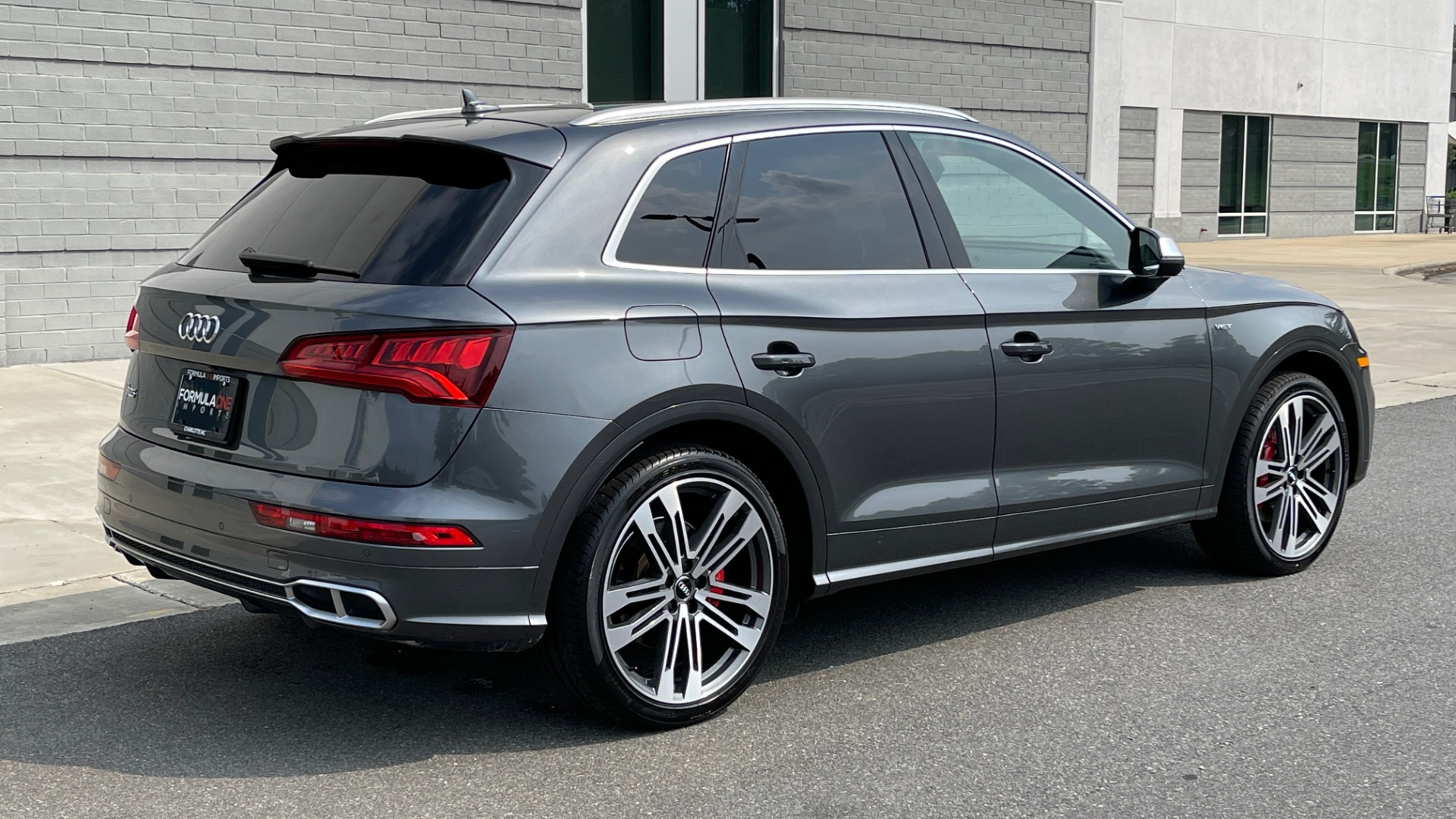 Used 2018 Audi SQ5 PREMIUM PLUS / S-SPORT / NAV / B&O SND / SUNROOF / REARVIEW for sale $43,995 at Formula Imports in Charlotte NC 28227 2