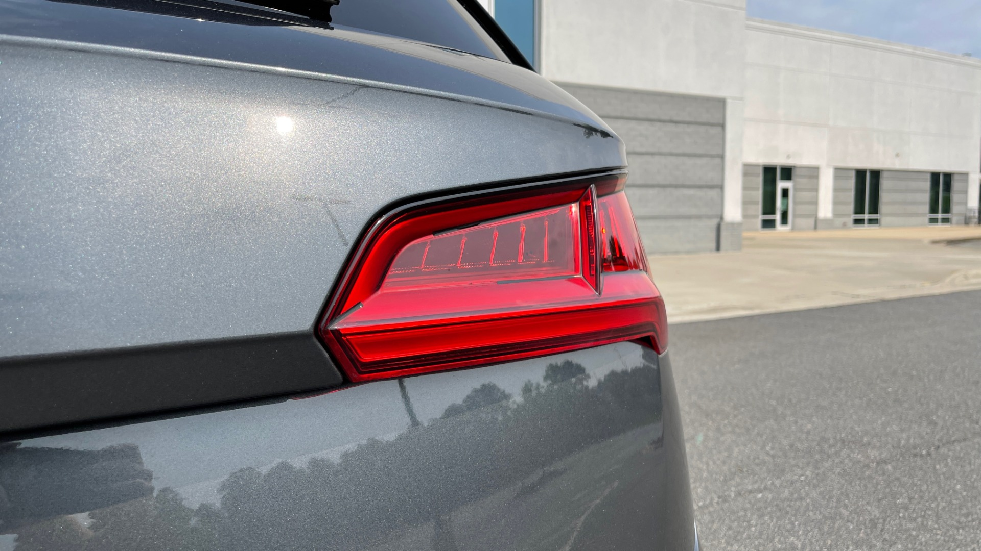 Used 2018 Audi SQ5 PREMIUM PLUS / S-SPORT / NAV / B&O SND / SUNROOF / REARVIEW for sale $43,995 at Formula Imports in Charlotte NC 28227 24