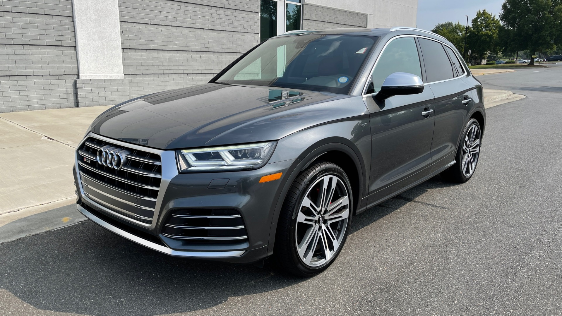 Used 2018 Audi SQ5 PREMIUM PLUS / S-SPORT / NAV / B&O SND / SUNROOF / REARVIEW for sale $43,995 at Formula Imports in Charlotte NC 28227 3