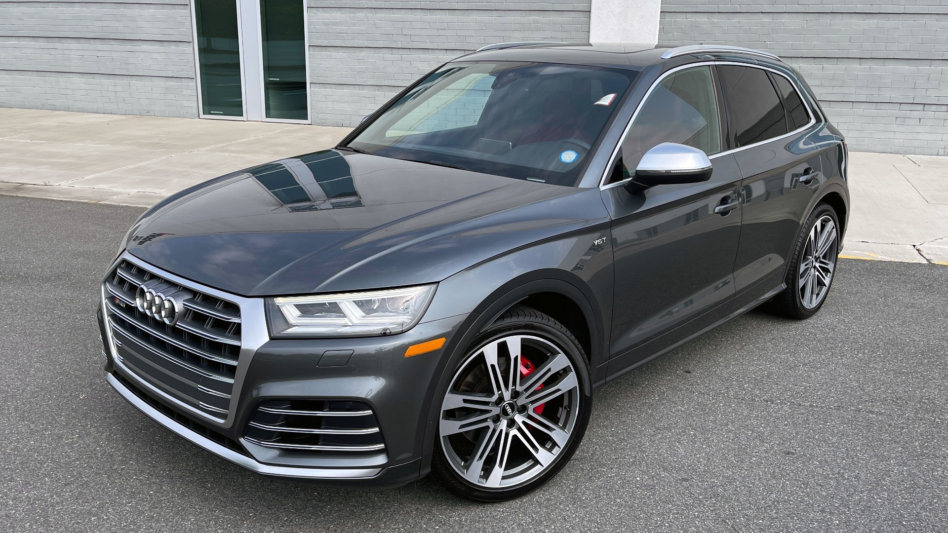 Used 2018 Audi SQ5 PREMIUM PLUS / S-SPORT / NAV / B&O SND / SUNROOF / REARVIEW for sale $43,995 at Formula Imports in Charlotte NC 28227 6