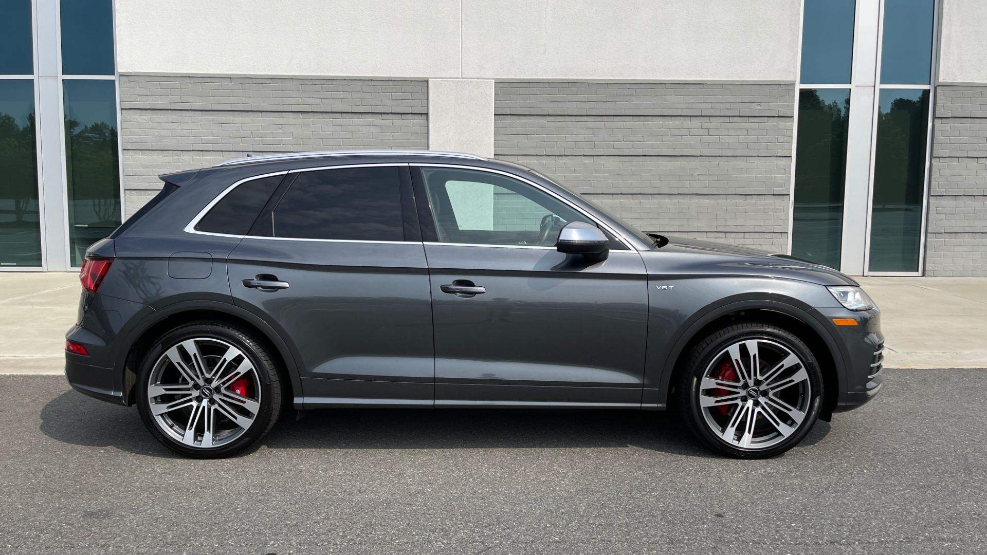 Used 2018 Audi SQ5 PREMIUM PLUS / S-SPORT / NAV / B&O SND / SUNROOF / REARVIEW for sale $43,995 at Formula Imports in Charlotte NC 28227 8