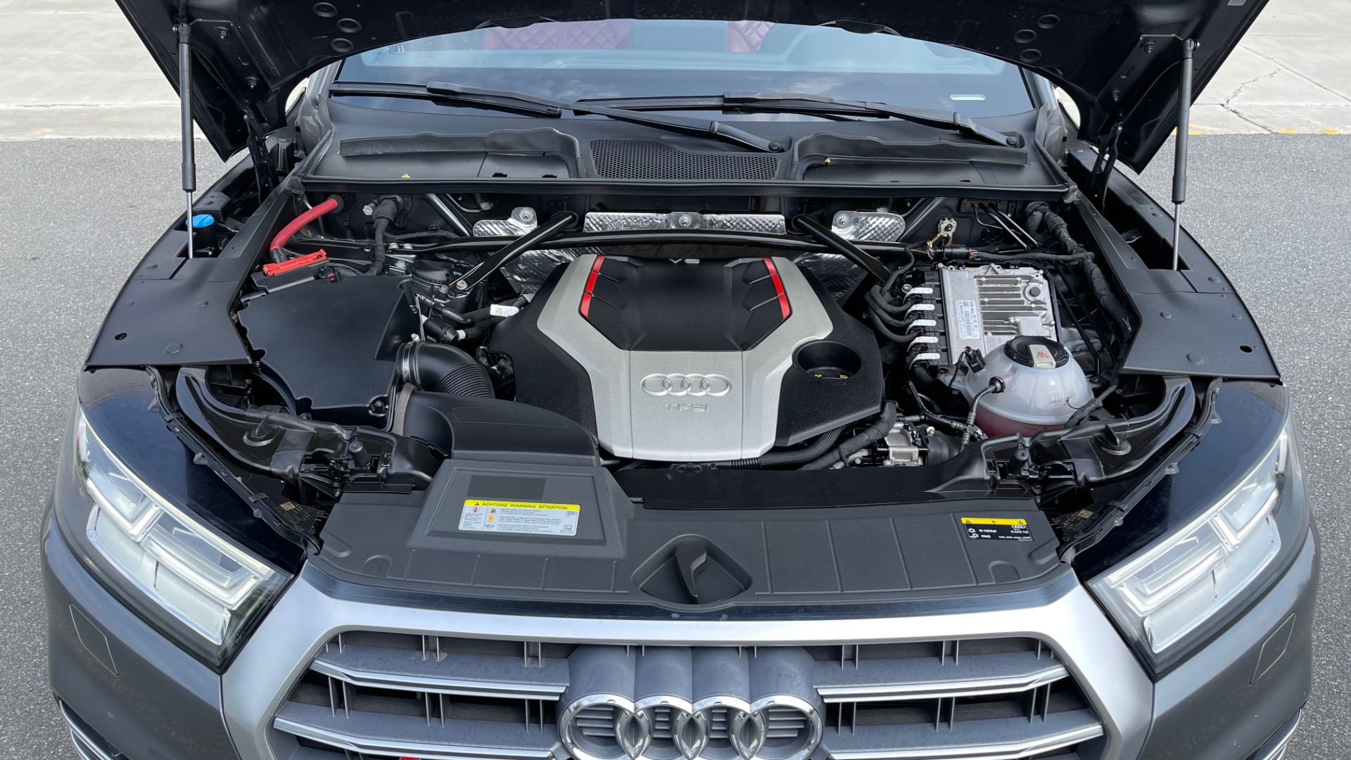 Used 2018 Audi SQ5 PREMIUM PLUS / S-SPORT / NAV / B&O SND / SUNROOF / REARVIEW for sale $43,995 at Formula Imports in Charlotte NC 28227 9