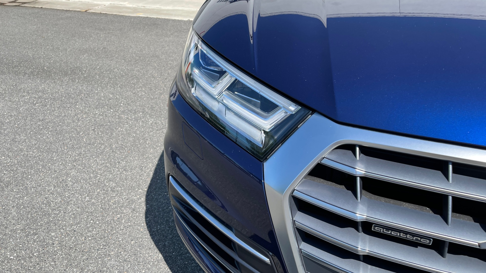 Used 2018 Audi Q5 PREMIUM PLUS / NAV / PANO-ROOF / PARK SYSTEM / REARVIEW for sale $33,695 at Formula Imports in Charlotte NC 28227 11