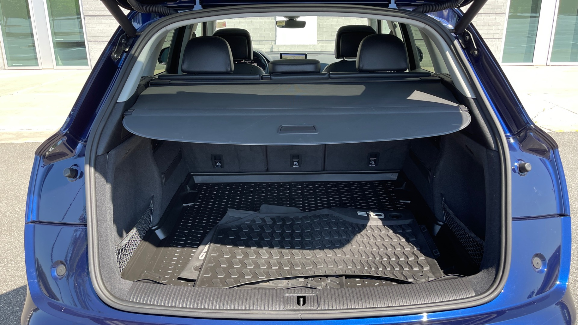 Used 2018 Audi Q5 PREMIUM PLUS / NAV / PANO-ROOF / PARK SYSTEM / REARVIEW for sale $33,695 at Formula Imports in Charlotte NC 28227 15