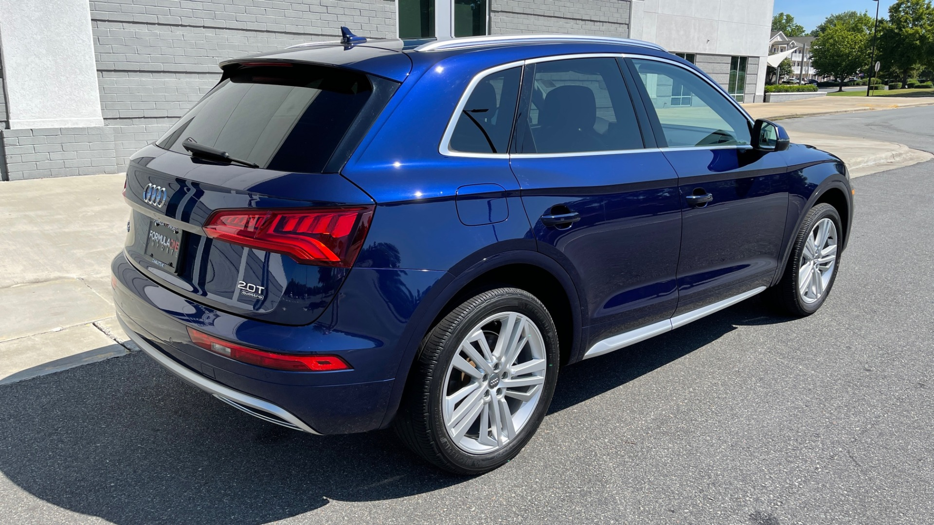 Used 2018 Audi Q5 PREMIUM PLUS / NAV / PANO-ROOF / PARK SYSTEM / REARVIEW for sale $33,695 at Formula Imports in Charlotte NC 28227 2