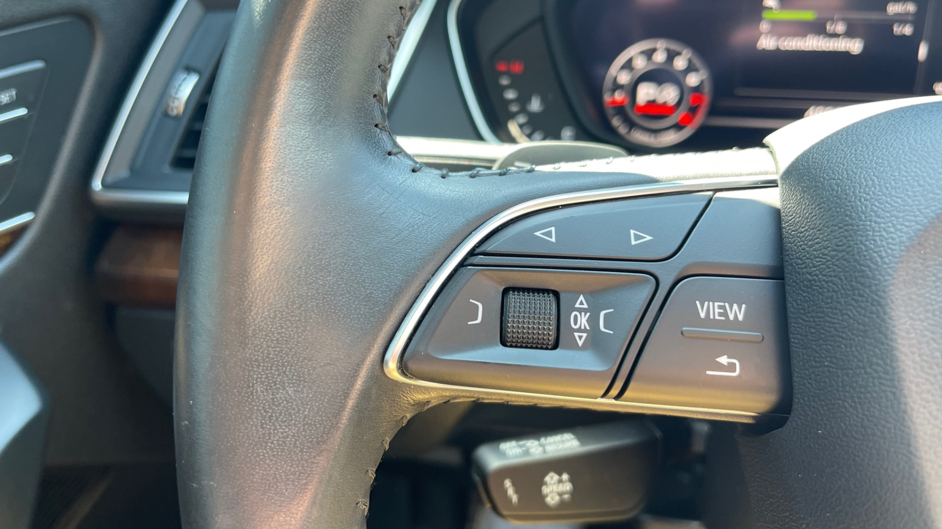 Used 2018 Audi Q5 PREMIUM PLUS / NAV / PANO-ROOF / PARK SYSTEM / REARVIEW for sale $33,695 at Formula Imports in Charlotte NC 28227 32