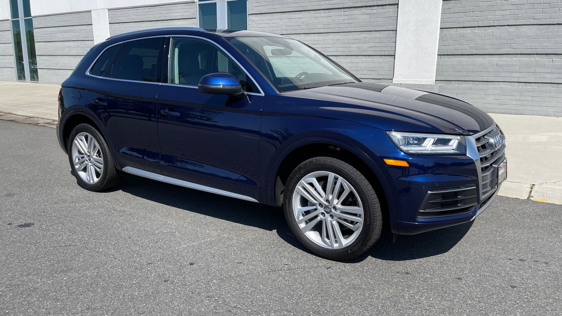 Used 2018 Audi Q5 PREMIUM PLUS / NAV / PANO-ROOF / PARK SYSTEM / REARVIEW for sale $33,695 at Formula Imports in Charlotte NC 28227 6