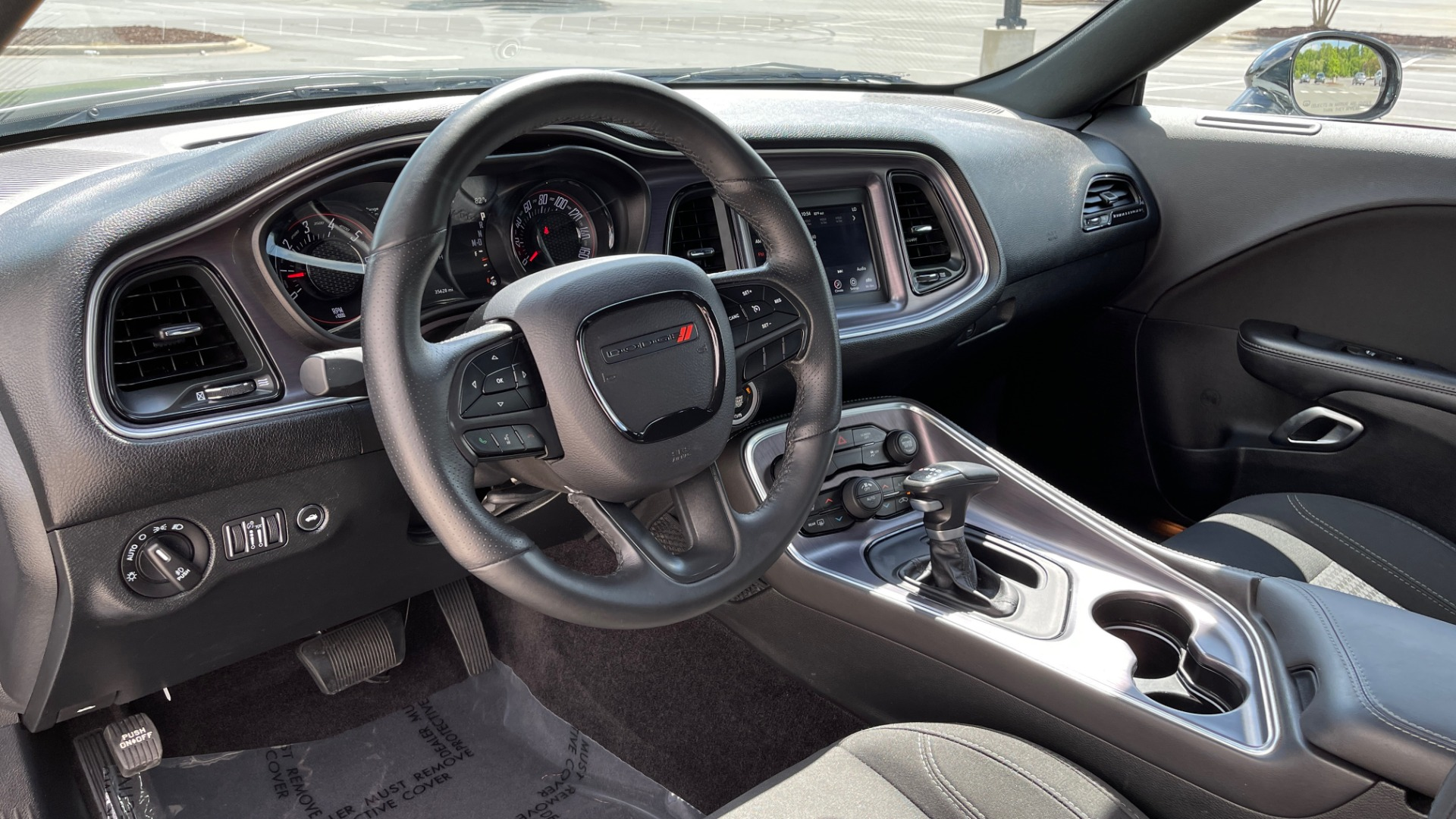 Used 2018 Dodge CHALLENGER SXT COUPE / BLACKTOP PKG / 3.6L V6 / 8-SPD AUTO / REARVIEW for sale $31,995 at Formula Imports in Charlotte NC 28227 35