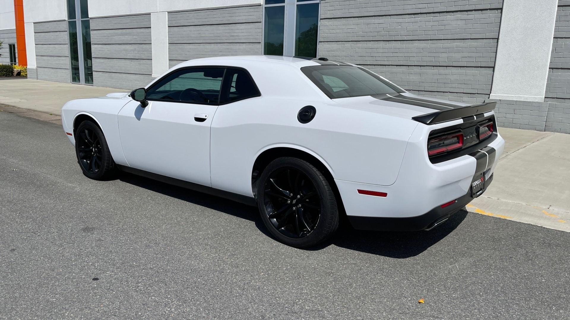 Used 2018 Dodge CHALLENGER SXT COUPE / BLACKTOP PKG / 3.6L V6 / 8-SPD AUTO / REARVIEW for sale $31,995 at Formula Imports in Charlotte NC 28227 5