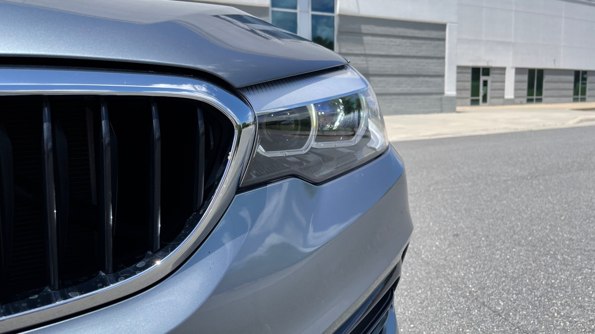Used 2017 BMW 5 SERIES 530I PREMIUM / WIFI / NAV / SUNROOF / AUTO CLIMATE CONTROL for sale $31,795 at Formula Imports in Charlotte NC 28227 15