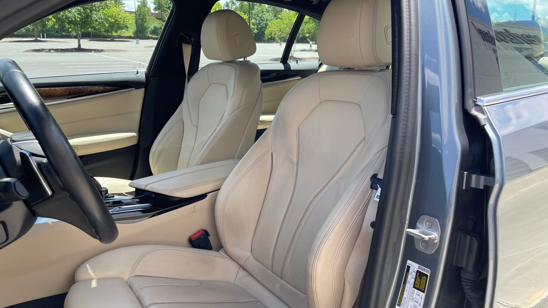 Used 2017 BMW 5 SERIES 530I PREMIUM / WIFI / NAV / SUNROOF / AUTO CLIMATE CONTROL for sale $31,795 at Formula Imports in Charlotte NC 28227 35