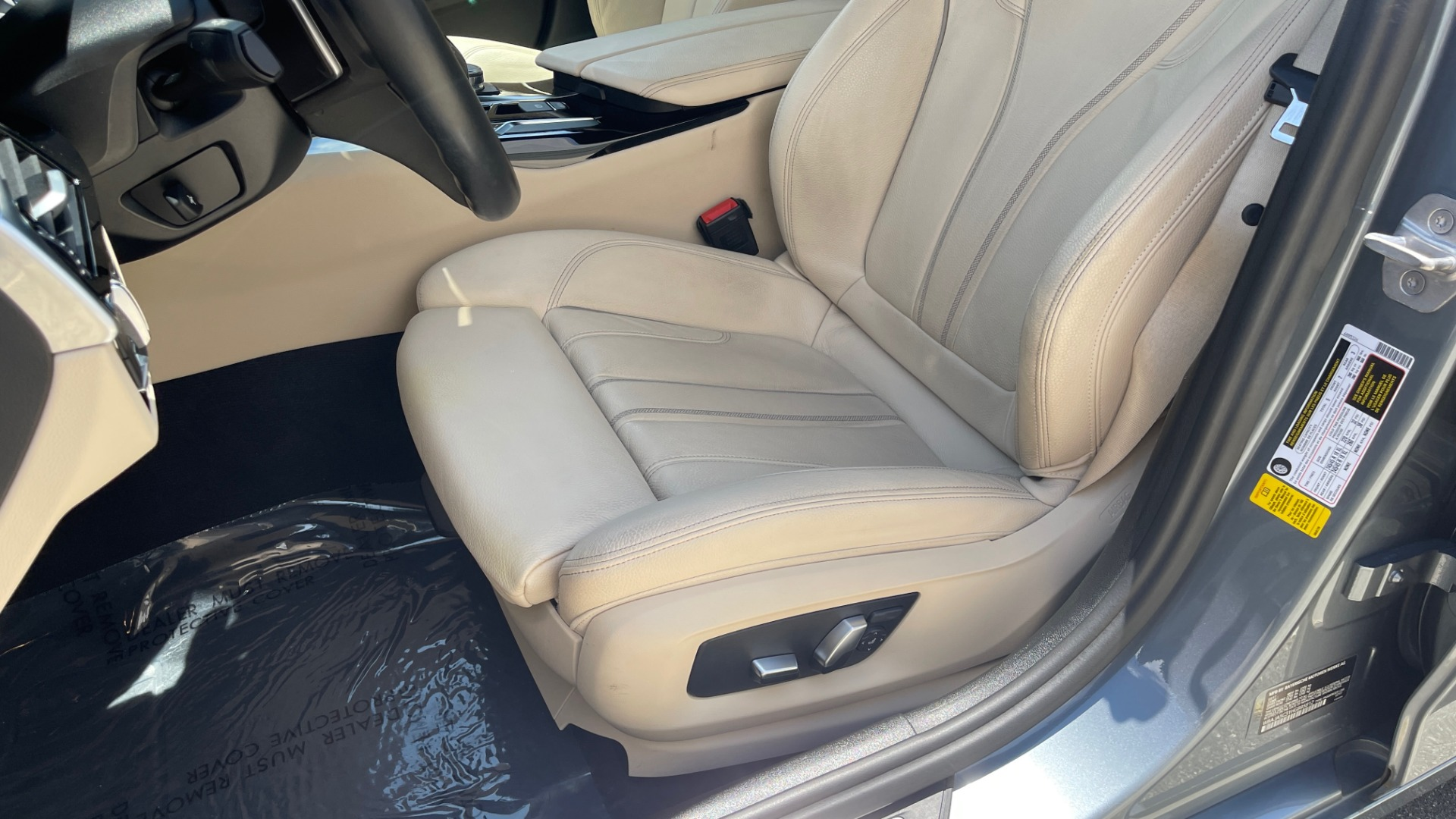 Used 2017 BMW 5 SERIES 530I PREMIUM / WIFI / NAV / SUNROOF / AUTO CLIMATE CONTROL for sale $31,795 at Formula Imports in Charlotte NC 28227 36