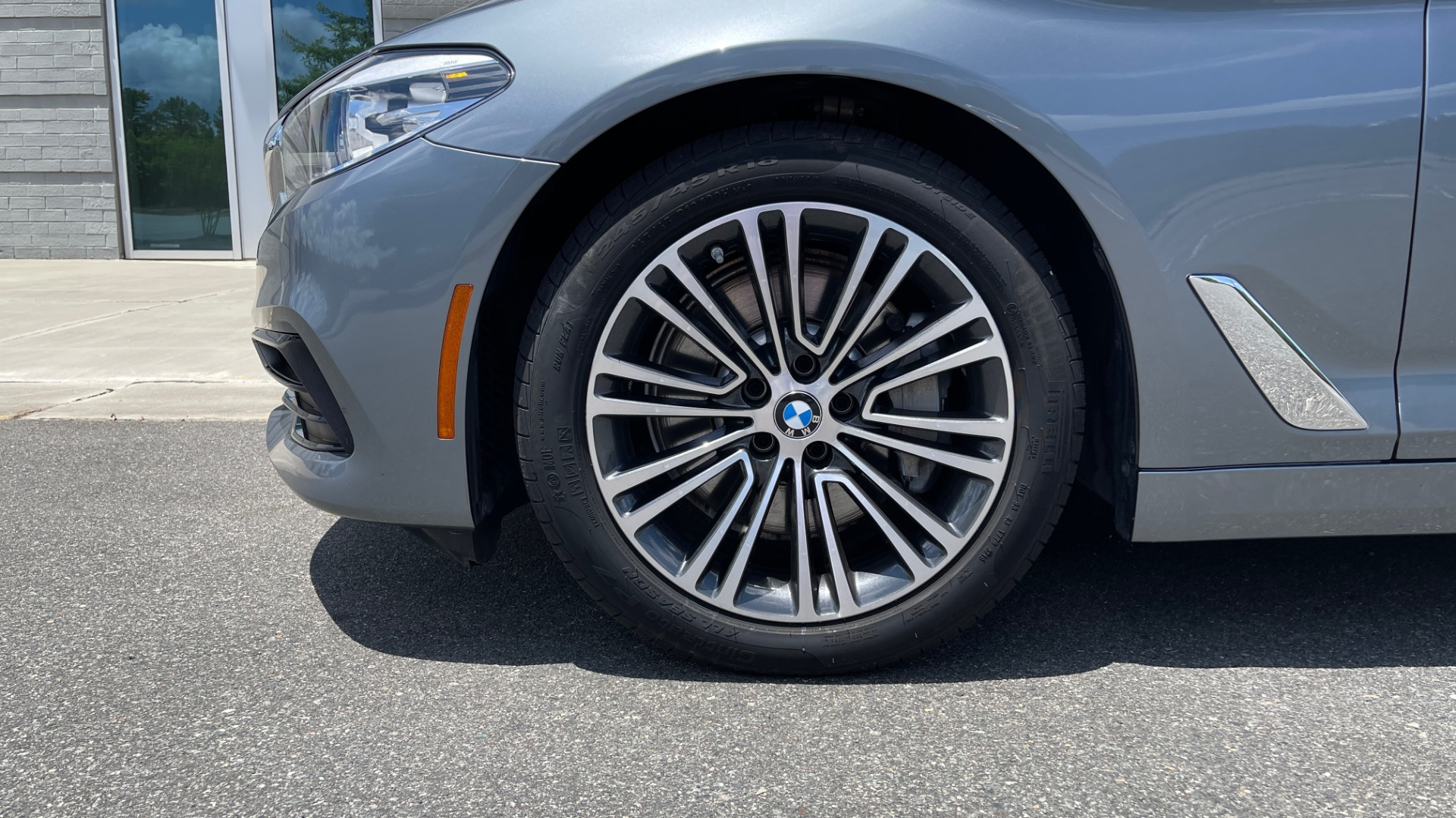 Used 2017 BMW 5 SERIES 530I PREMIUM / WIFI / NAV / SUNROOF / AUTO CLIMATE CONTROL for sale $31,795 at Formula Imports in Charlotte NC 28227 67