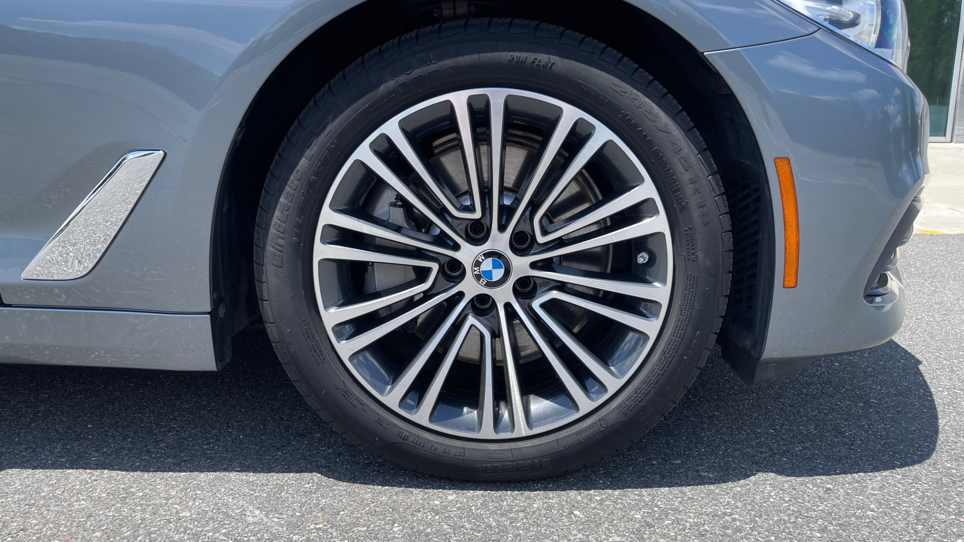 Used 2017 BMW 5 SERIES 530I PREMIUM / WIFI / NAV / SUNROOF / AUTO CLIMATE CONTROL for sale $31,795 at Formula Imports in Charlotte NC 28227 70
