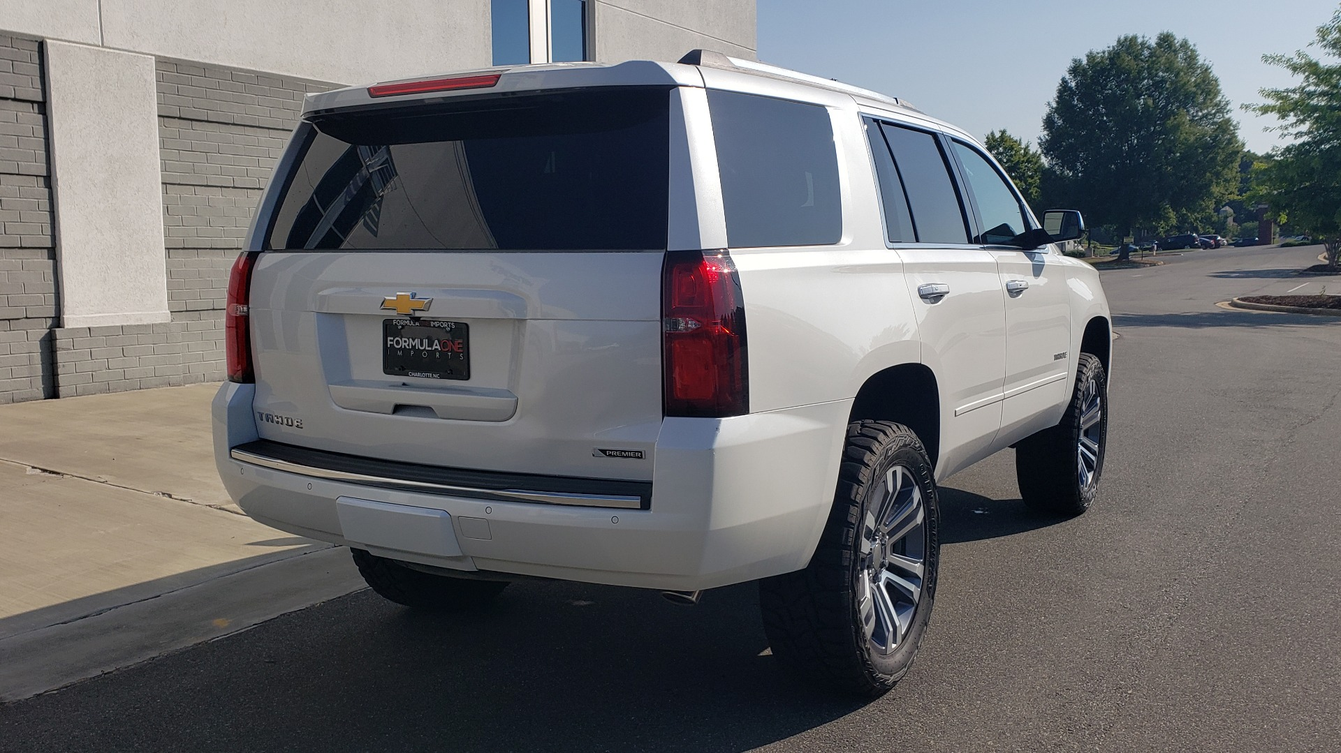 Used 2018 Chevrolet TAHOE PREMIER 4X4 / NAV / BOSE / SUNROOF / ENT SYS / 3-ROW / REARVIEW for sale $55,995 at Formula Imports in Charlotte NC 28227 2
