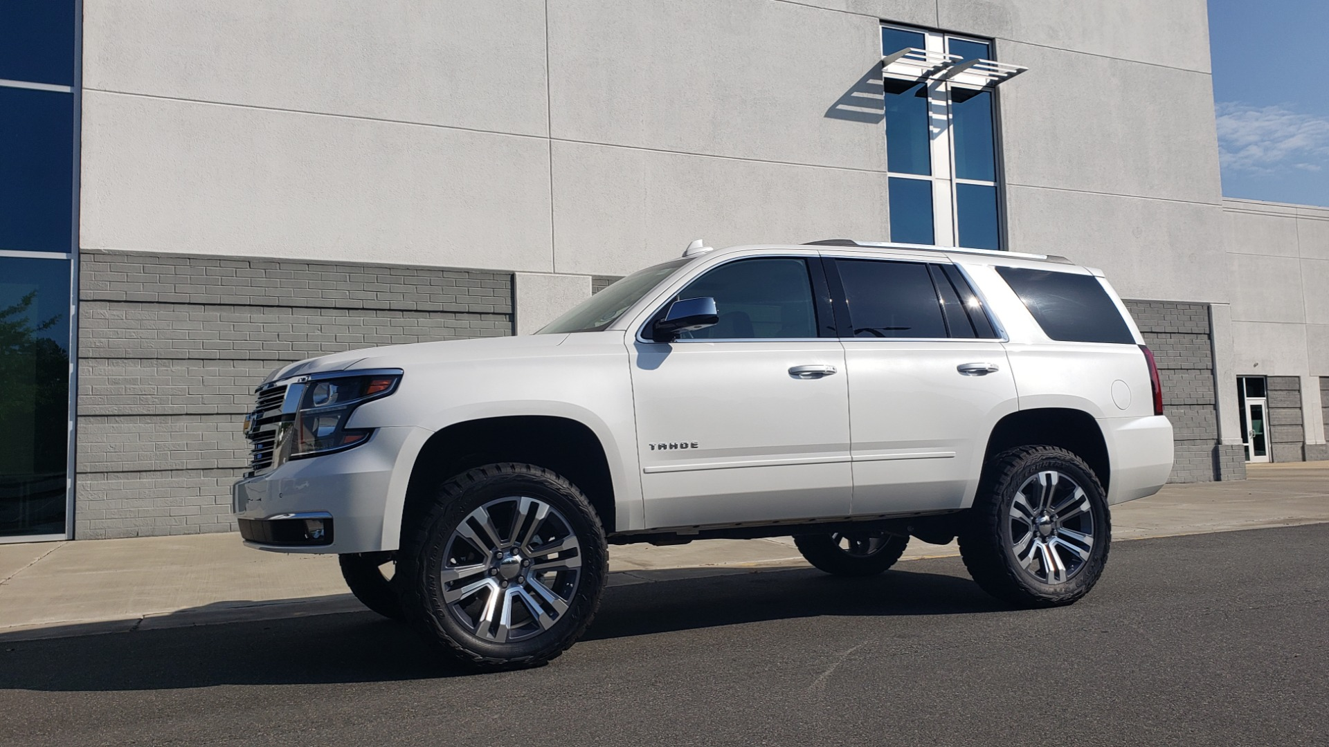 Used 2018 Chevrolet TAHOE PREMIER 4X4 / NAV / BOSE / SUNROOF / ENT SYS / 3-ROW / REARVIEW for sale $55,995 at Formula Imports in Charlotte NC 28227 3