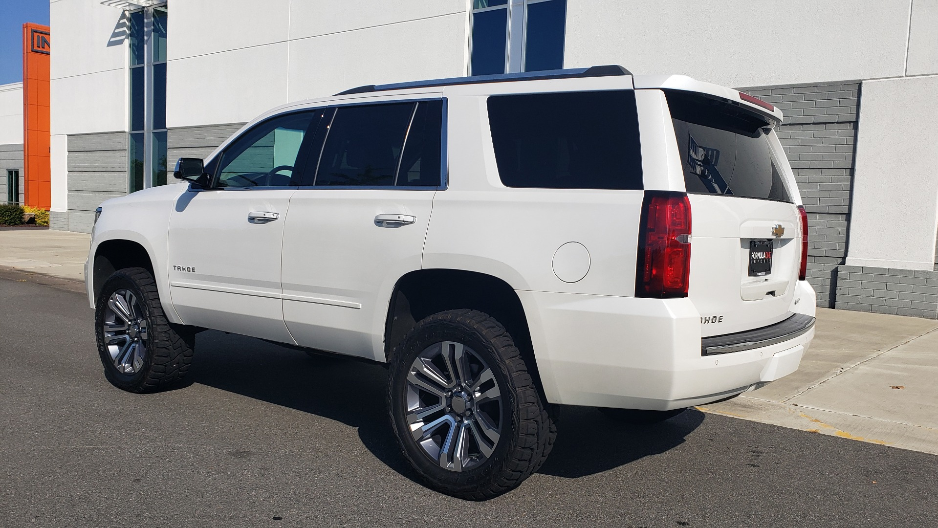Used 2018 Chevrolet TAHOE PREMIER 4X4 / NAV / BOSE / SUNROOF / ENT SYS / 3-ROW / REARVIEW for sale $55,995 at Formula Imports in Charlotte NC 28227 5